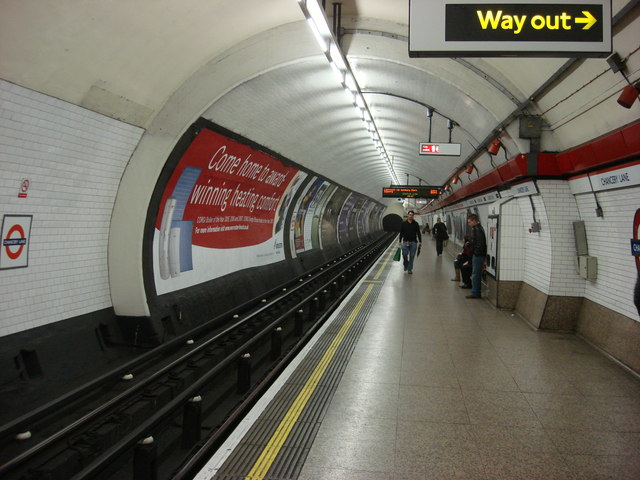 Chancery Lane tube station, Eastbound platform - geograph.org.uk - 670204