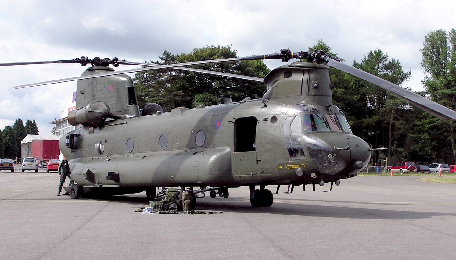 helicopter crash mull of kintyre with Helicoptere Utilitaire Ch 47 Chinook on Helicopter Crash likewise Severe Delays South Of Lincoln After Serious A1 Lorry Crash as well 2623 Trumps Scabbed Up Boeing Death as well Crash Site besides Military Helicopter Crash.