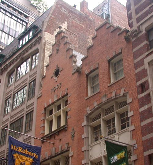 Dutch colonial architecture new netherland york american for American colonial architecture