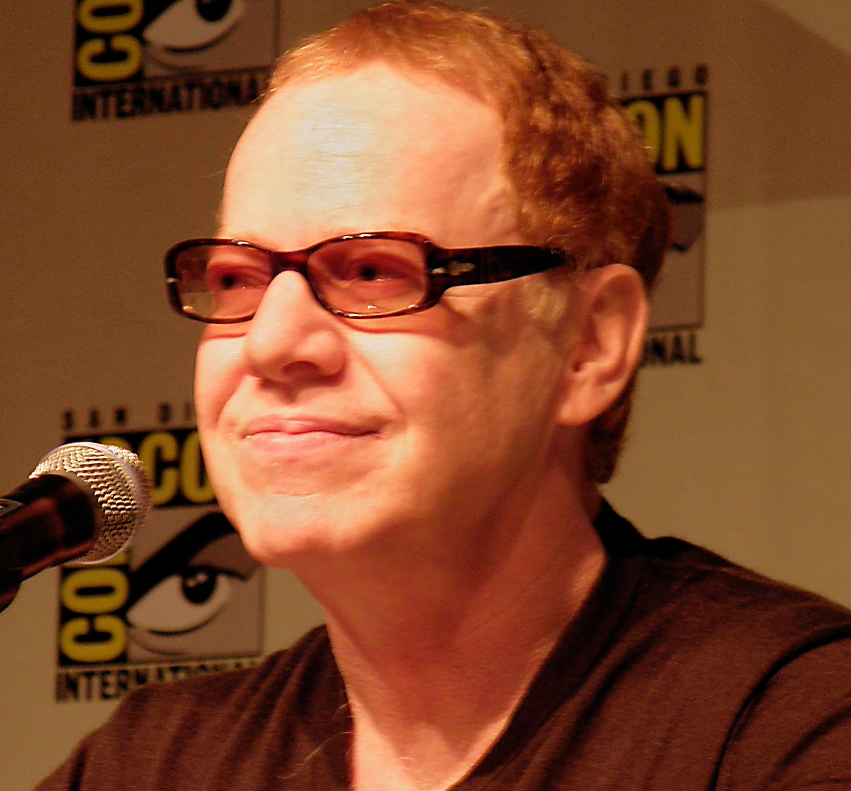Elfman at the 2010 [[San Diego Comic-Con International|San Diego Comic-Con]]