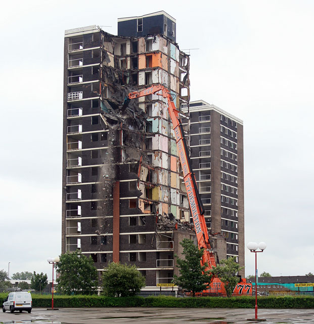 File:Demolition of flats, Croxteth, Liverpool - geograph ...