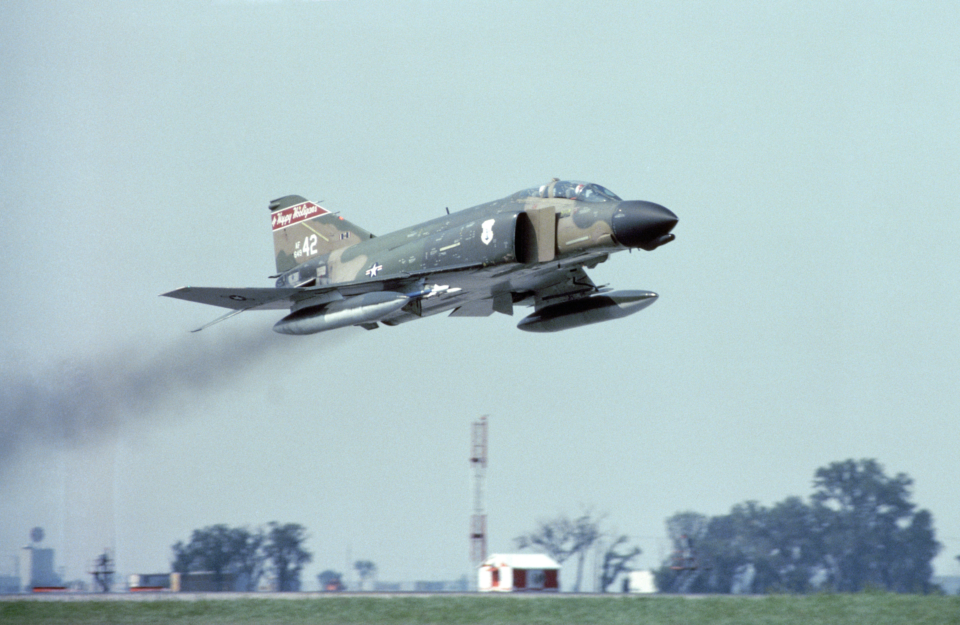 F-4D_North_Dakota_ANG_takes_off_from_Far