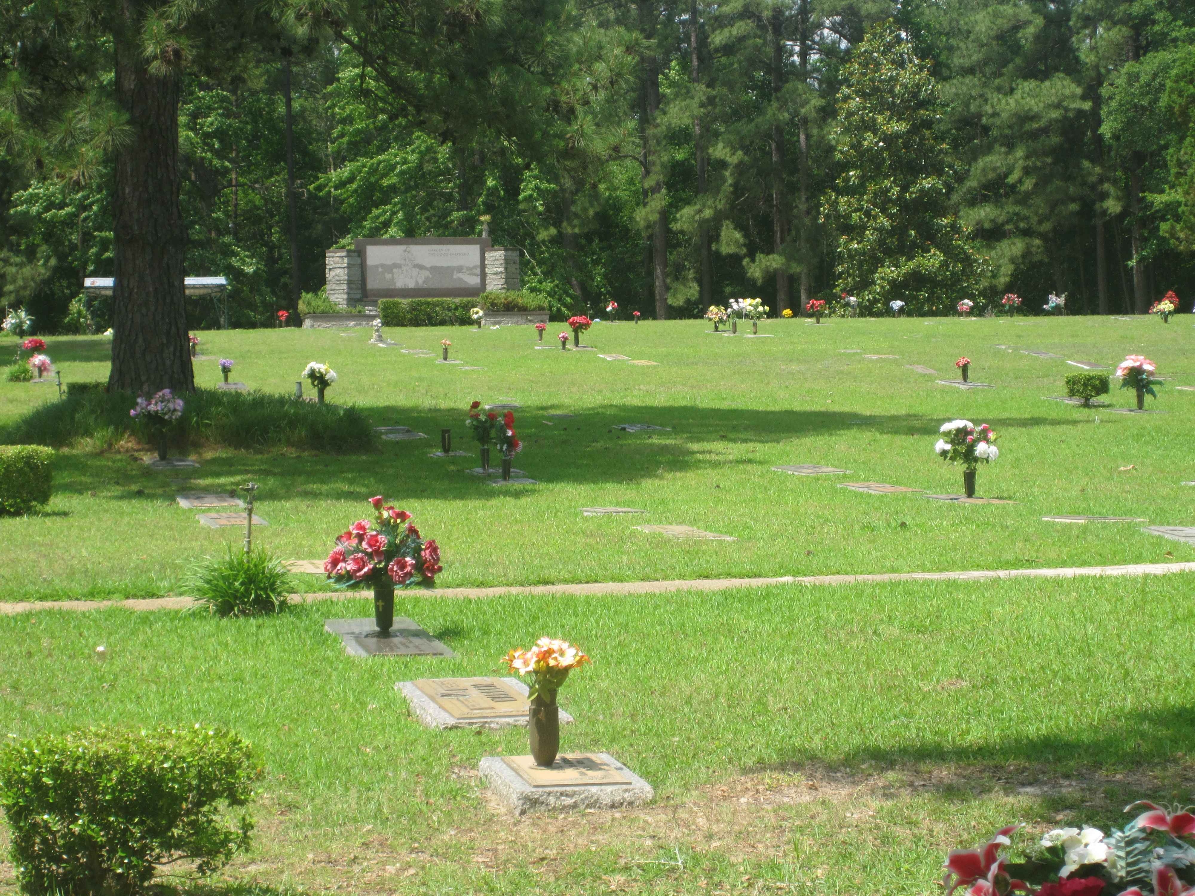 a brief history of the hollywood memorial park and cemetery A brief history of spalding county, georgia  history and legacy of his famous relative  cemetery and memorial park the cemetery and monuments are located on.