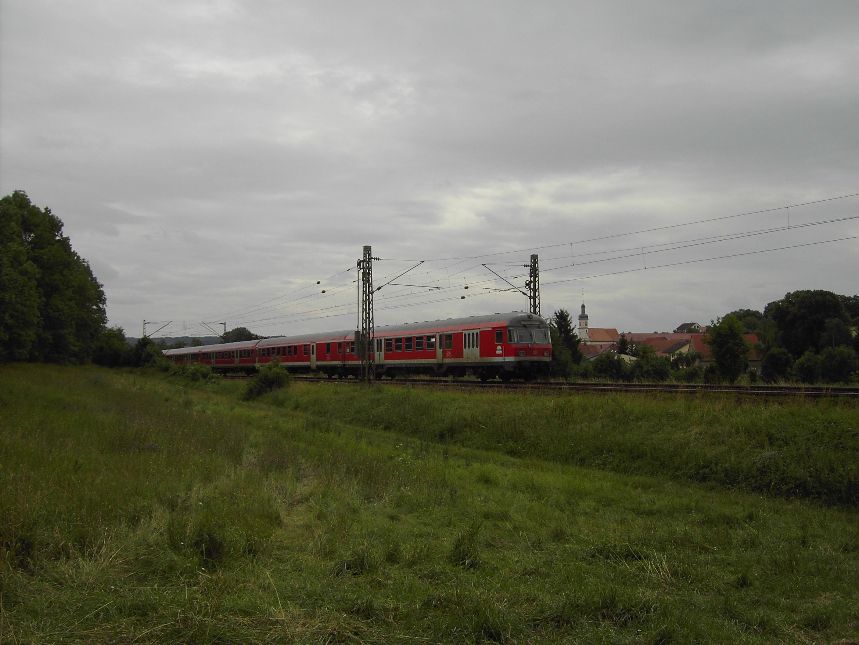 RE auf der Frankenbahn bei Wittighausen