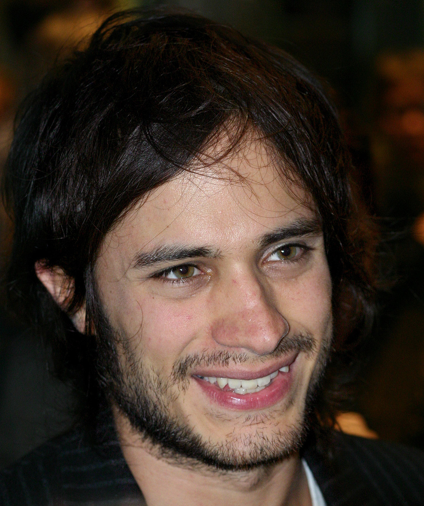 The 38-year old son of father José Ángel García and mother Patricia Bernal, 168 cm tall Gael García Bernal in 2017 photo