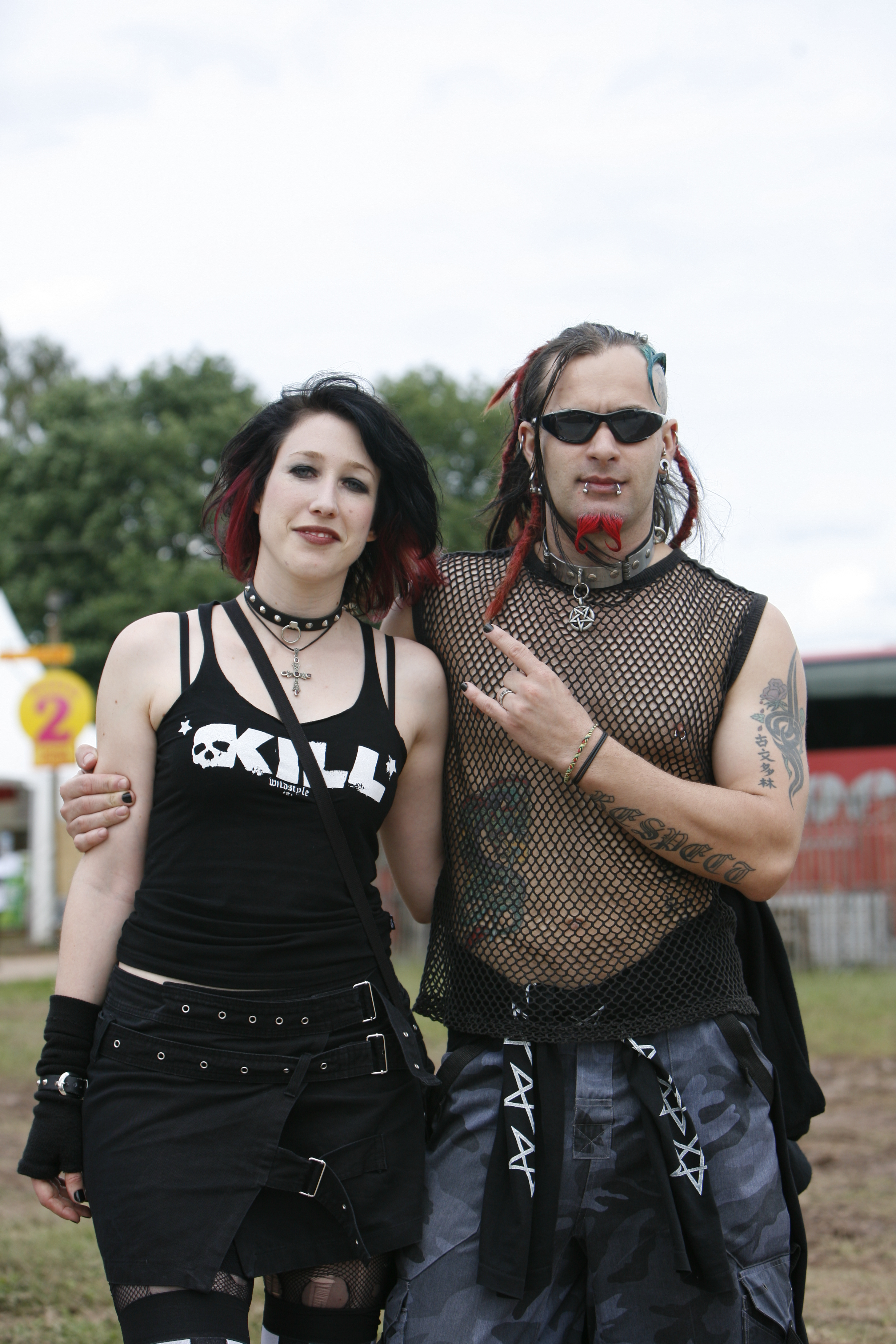 A goth couple at the Eurockéennes of 2007