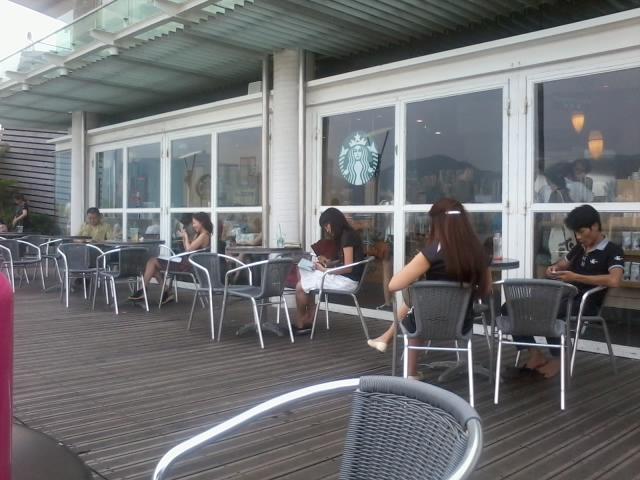 File:HK TST Promenade Starbucks Coffee Furniture Tables N Chairs Visitors  Aug 2012.