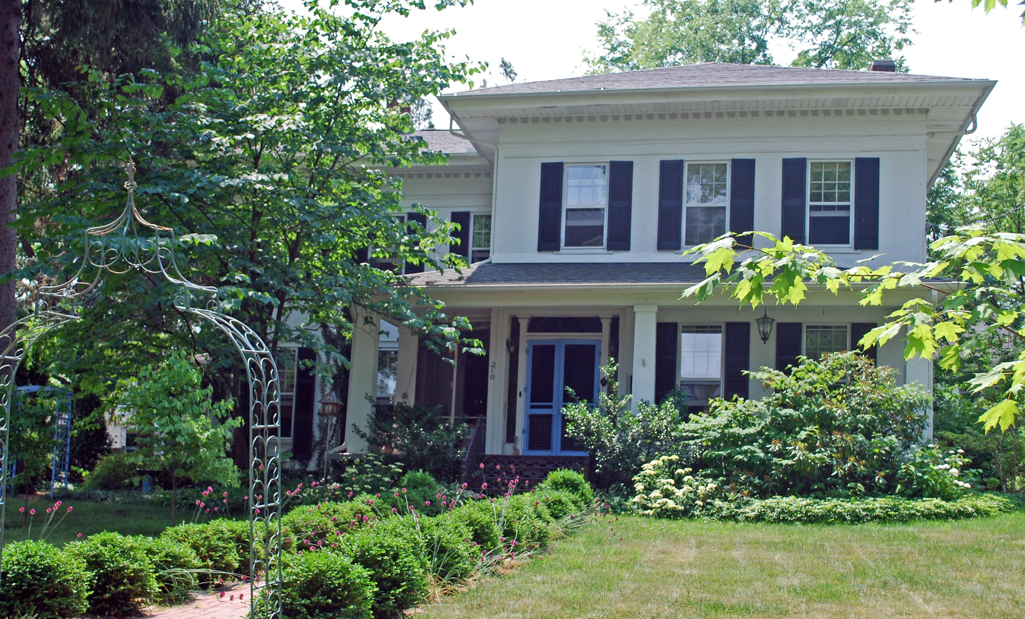 Hinckley House Fenton MI.jpg