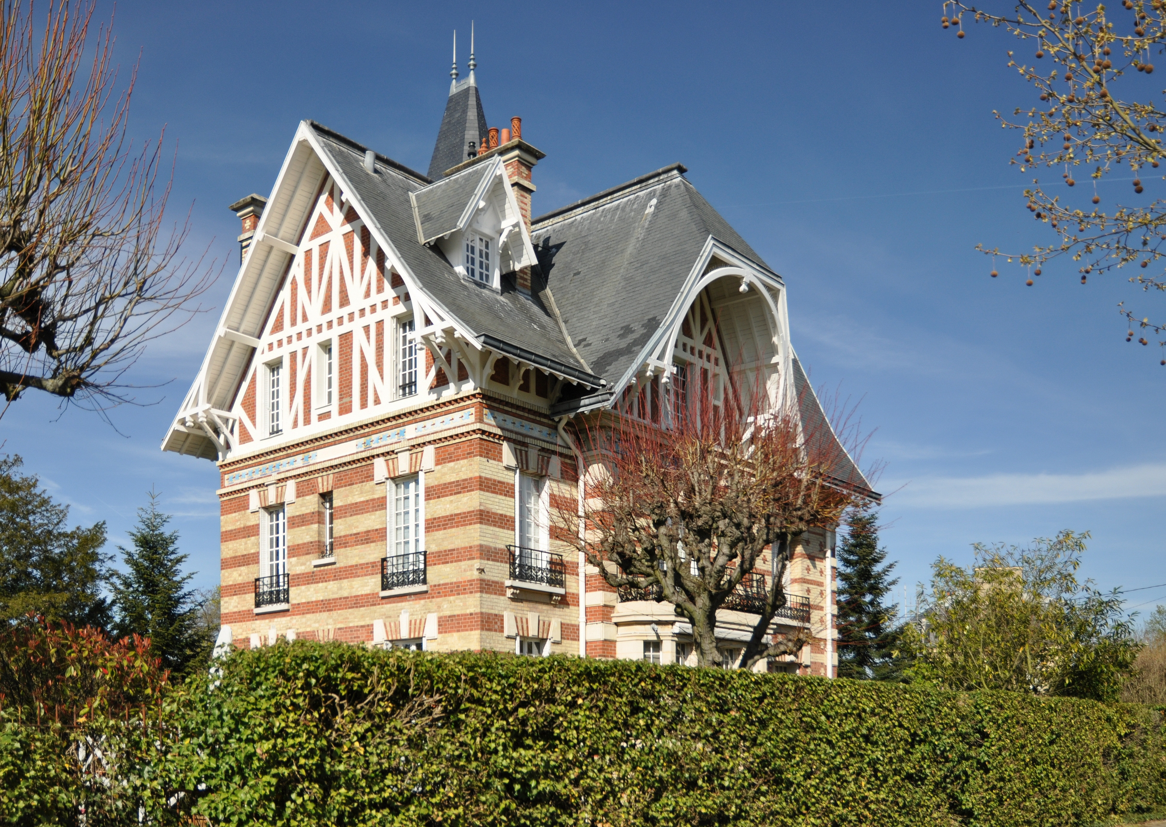 file house in le v sinet 018 jpg wikimedia commons. Black Bedroom Furniture Sets. Home Design Ideas
