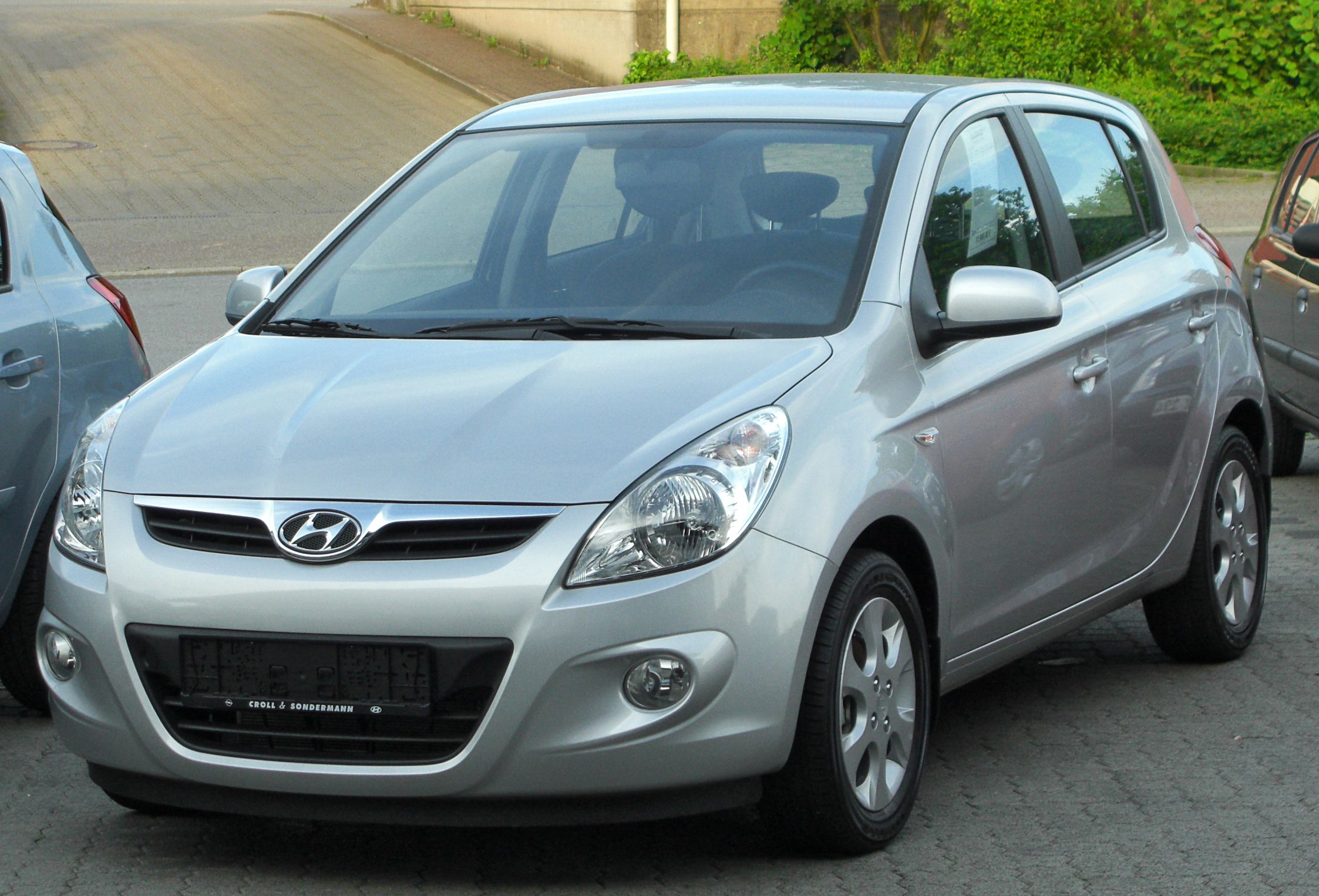 File Hyundai I20 1 2 Comfort Front 20100617 Jpg