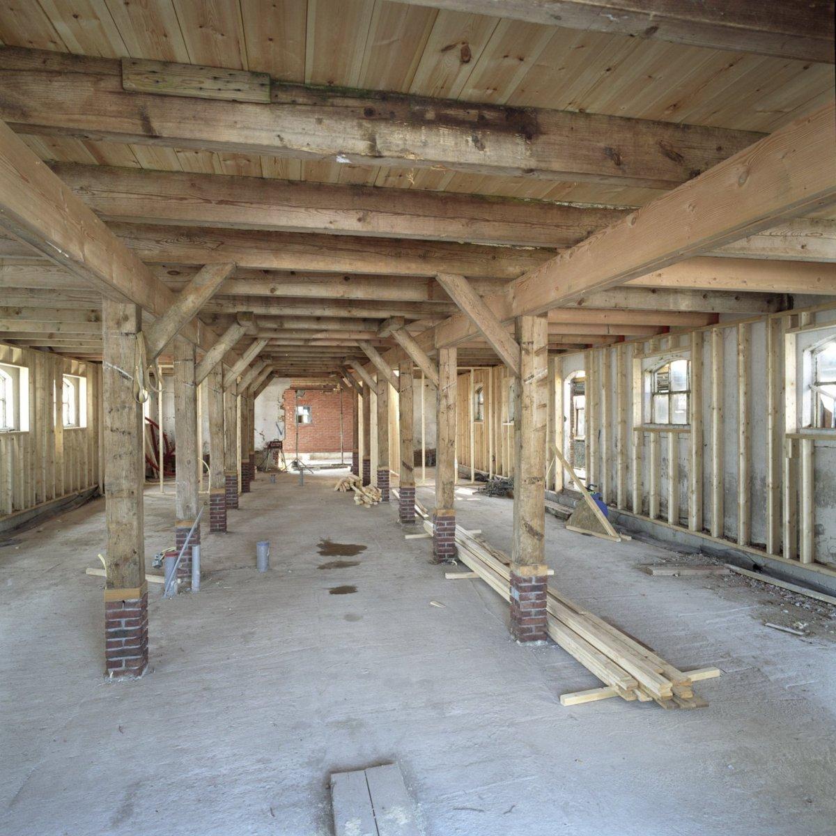 File interieur stal in boerderij gedeelte overzicht for Boerderij interieur