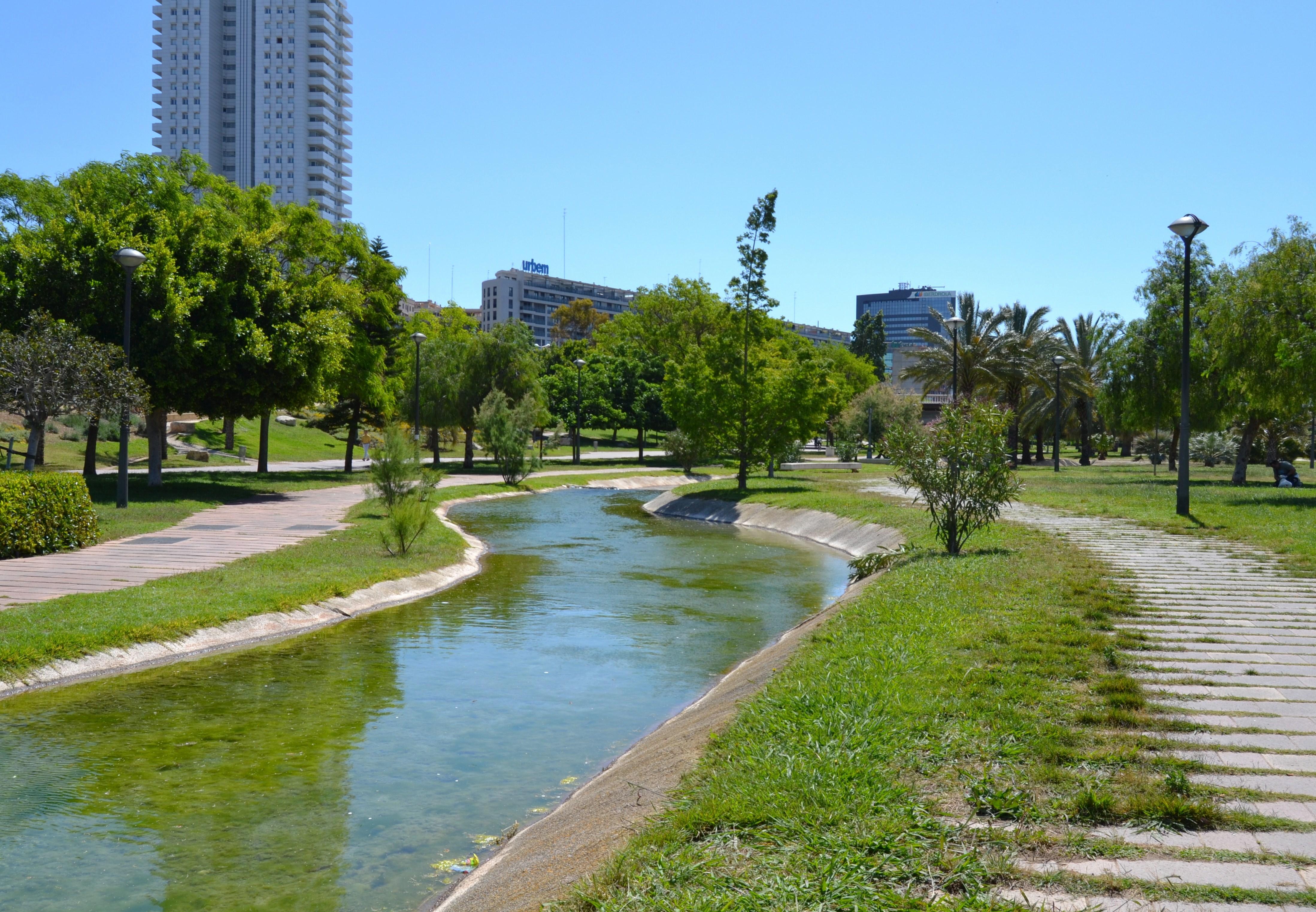 File jard del t ria de val ncia riuet jpg wikimedia commons - Jardin del turia valencia ...