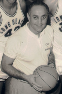 Jerry Tarkanian LBSU coach in 1970-71.jpg