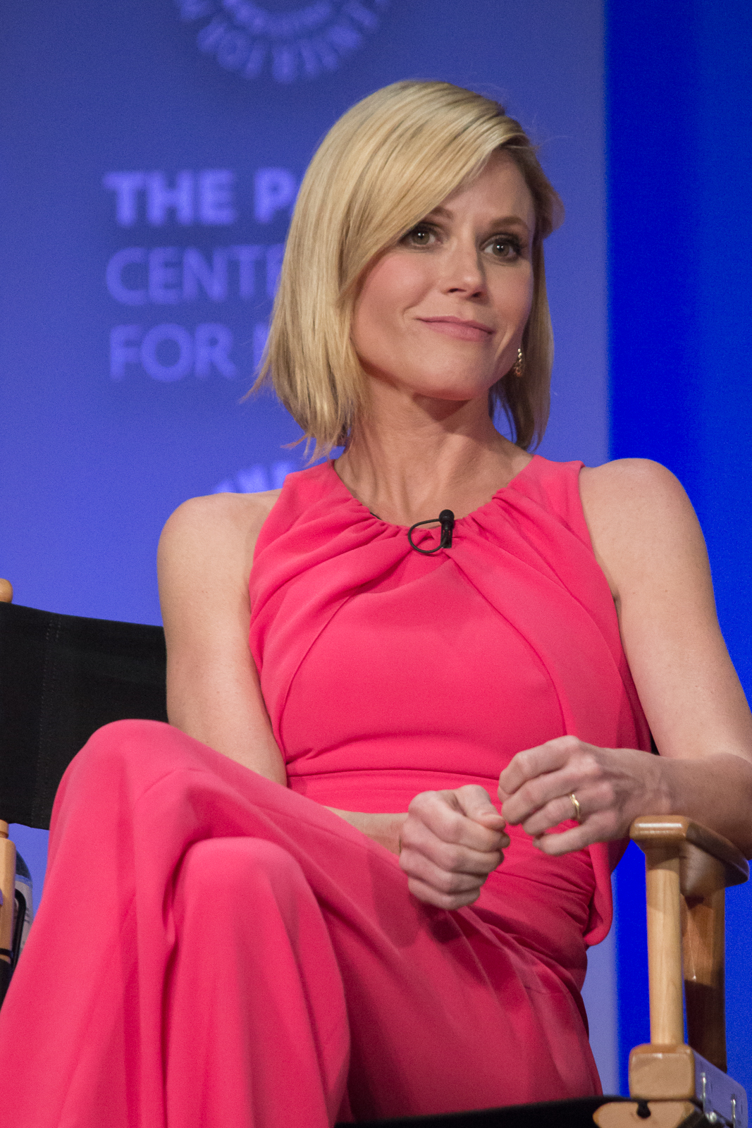 Julie Bowen body