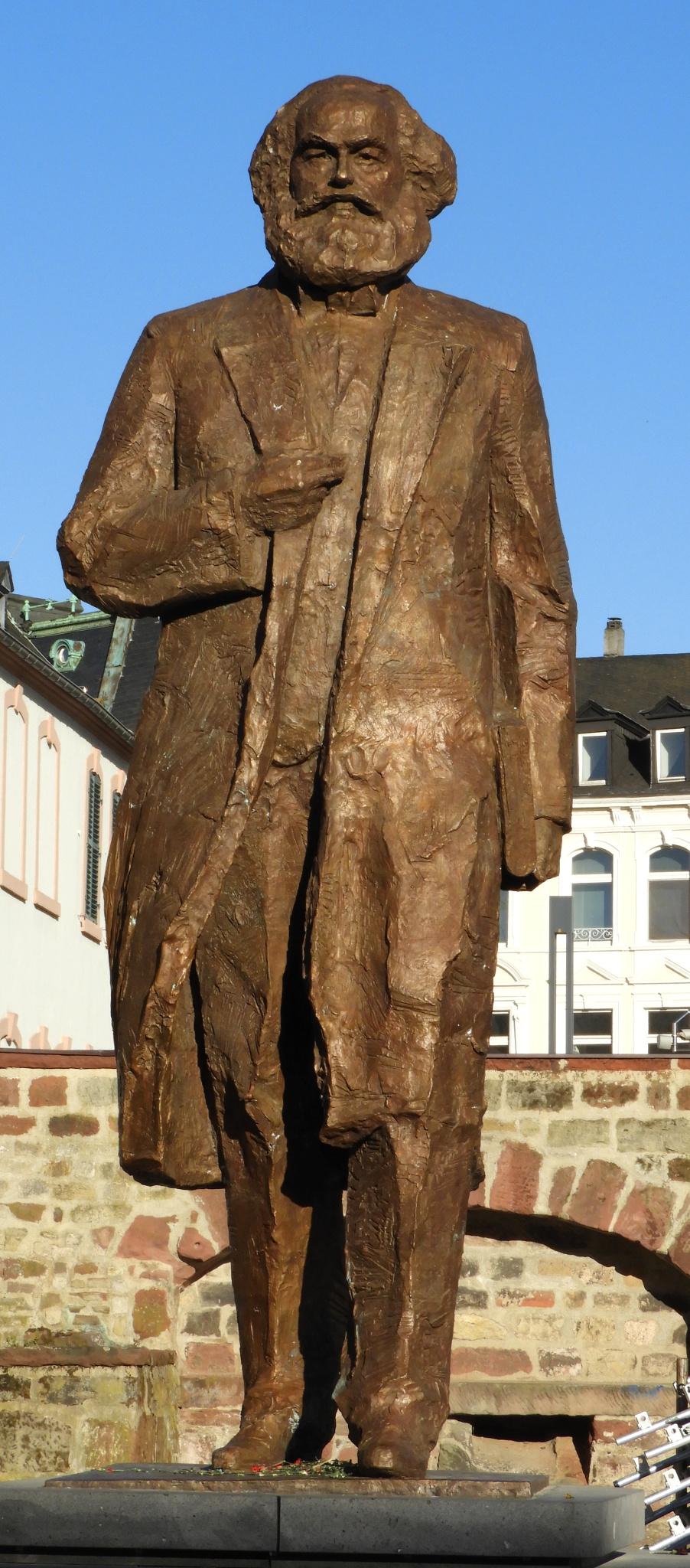 Karl Marx Statue (Trier) - Wikipedia