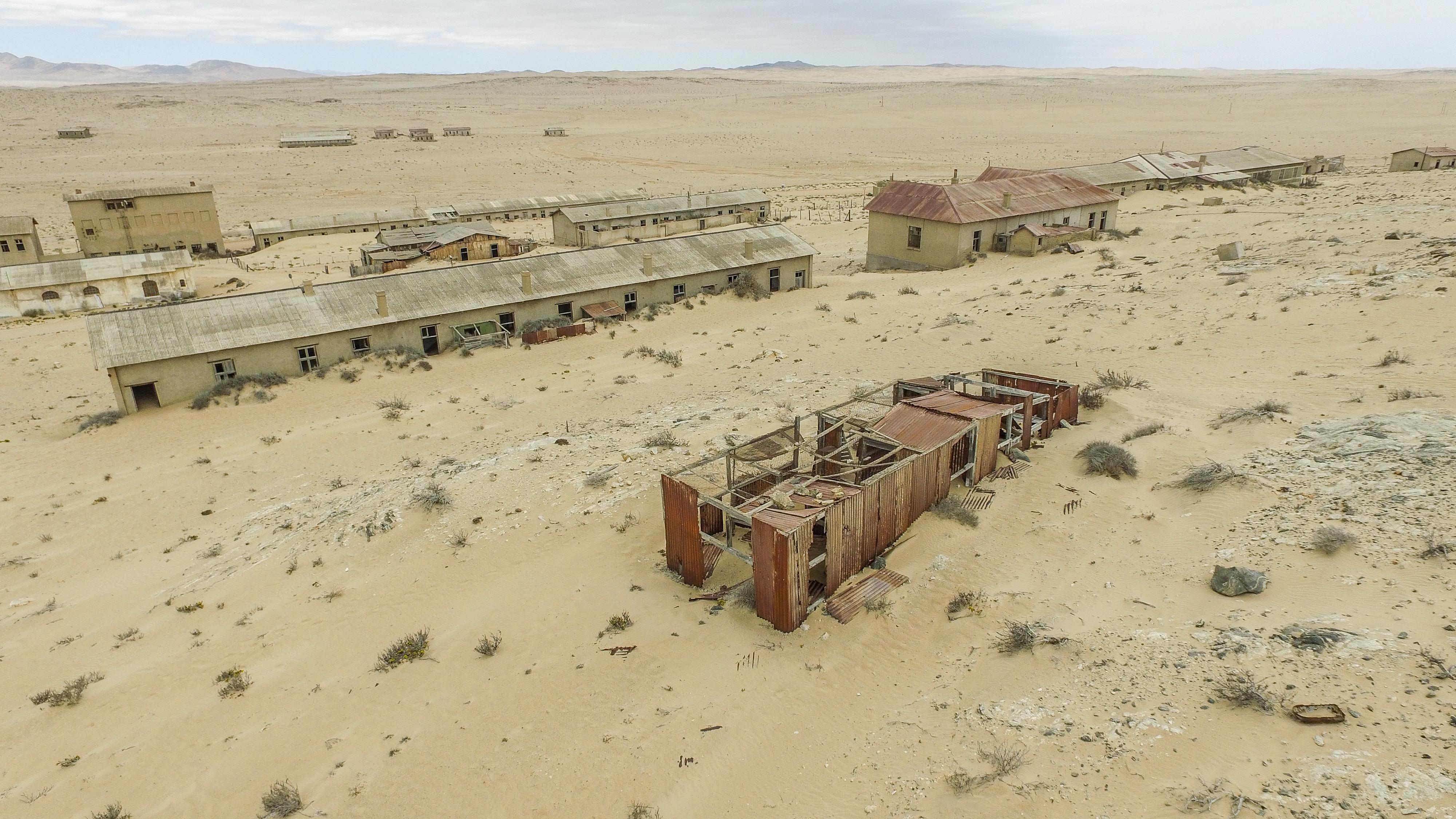 File:Kolmanskop Ghost Town Buildings.jpg - Wikimedia Commons