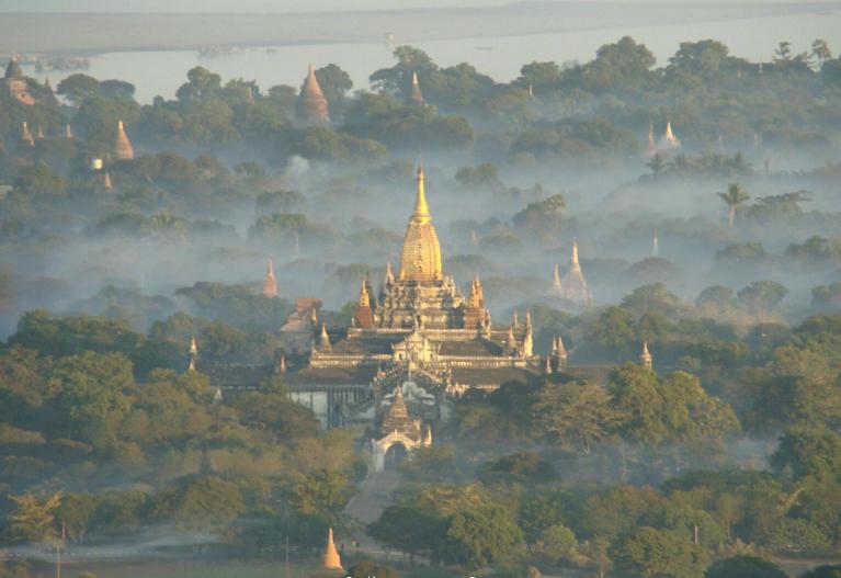 File:MM-Ballonfahrt über Bagan verkl.jpg