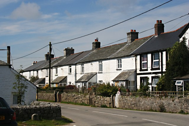 Miners Cottages in Minions - geograph.org.uk - 522402