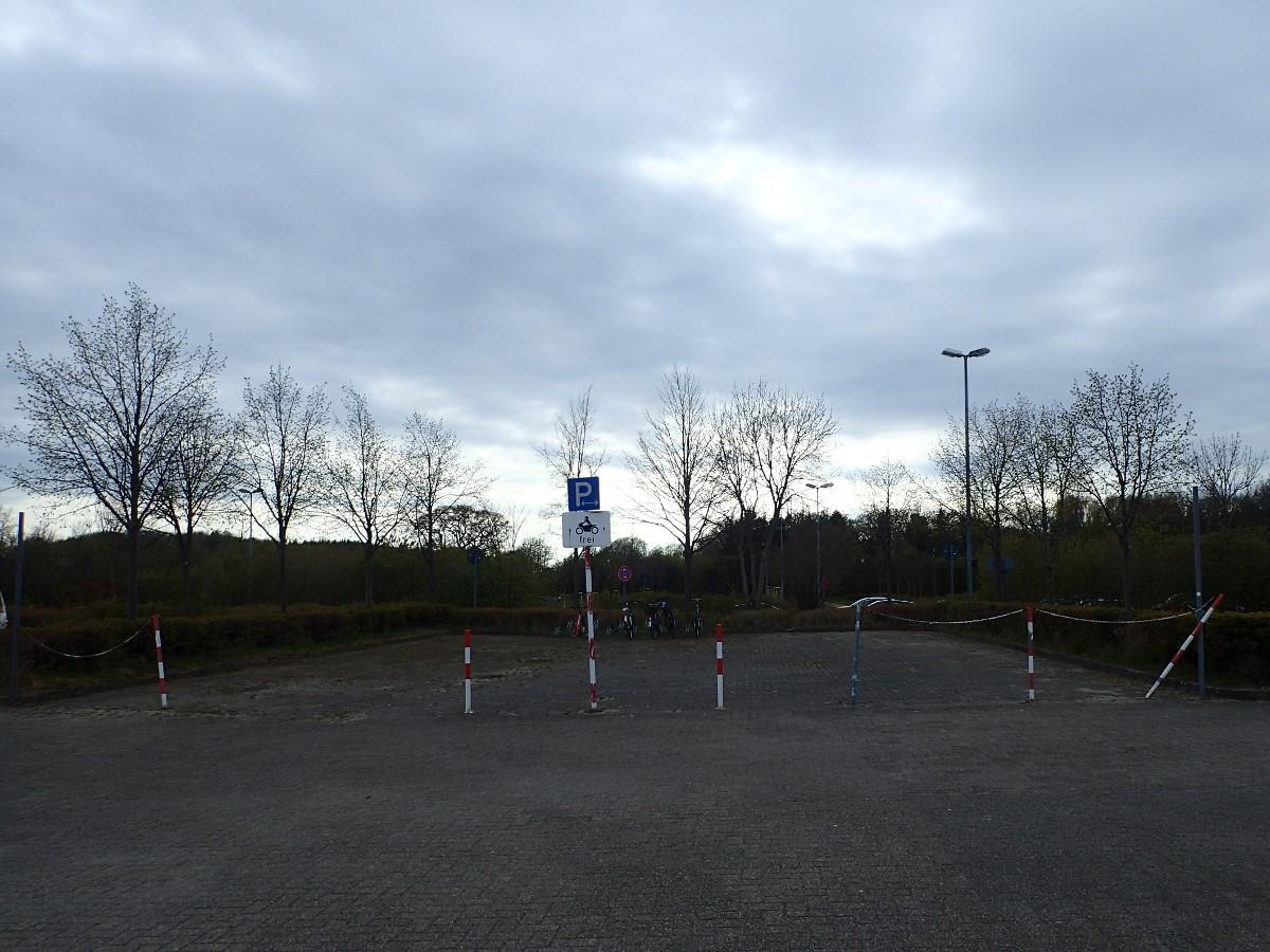 Motorradparkplatz in Damp