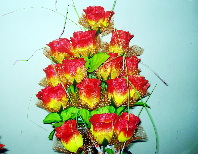 File Plastic flowers 7 JPG Wikimedia mons