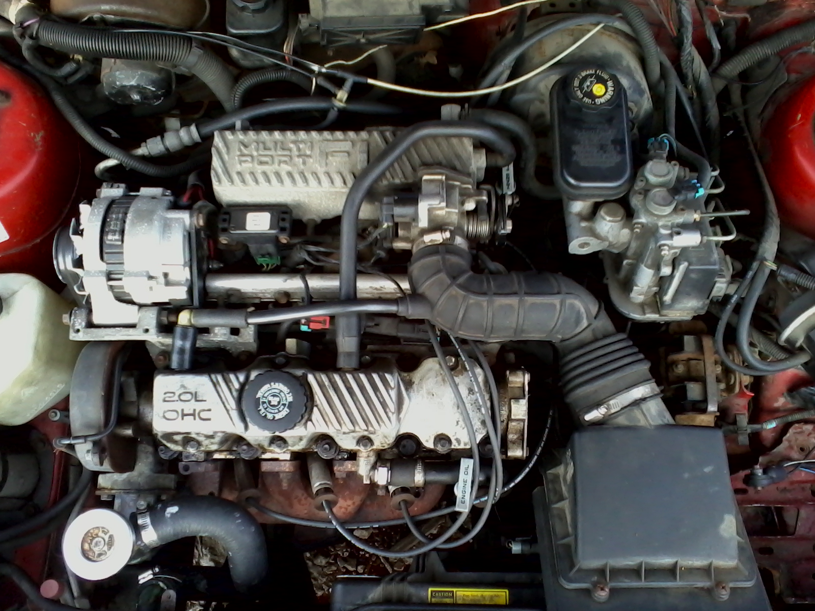File:Pontiac 2.0 L SOHC I4 engine.jpg - Wikimedia Commons