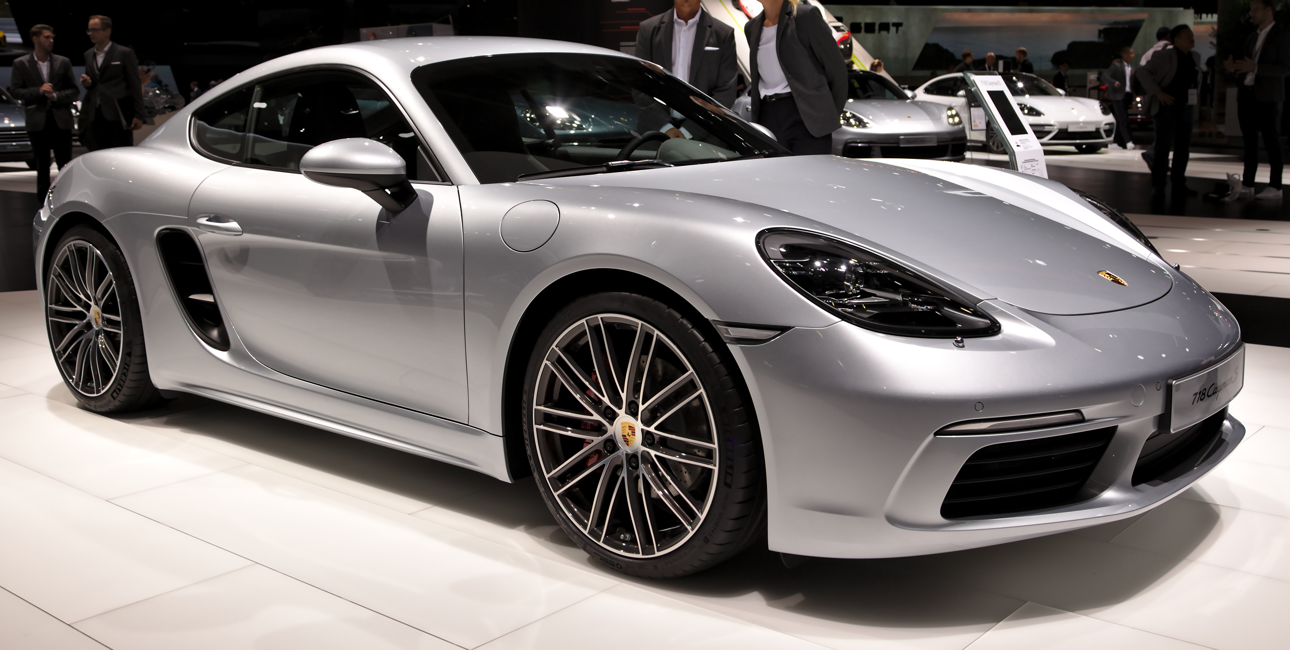 File Porsche 718 Cayman S Back Img 0704 Jpg Wikimedia Commons