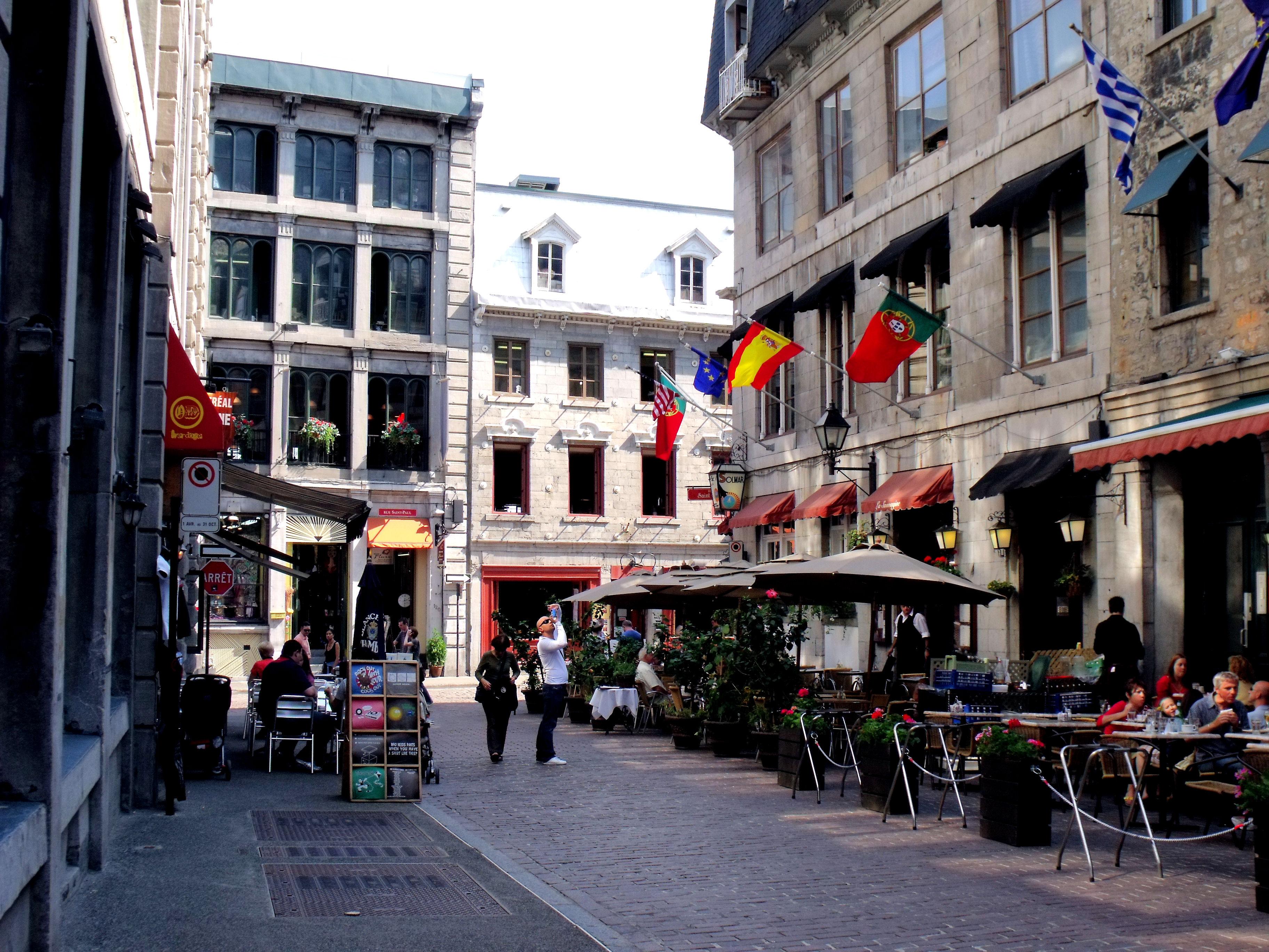 Montreal Restaurant Ave Du Parc Greek Terasse