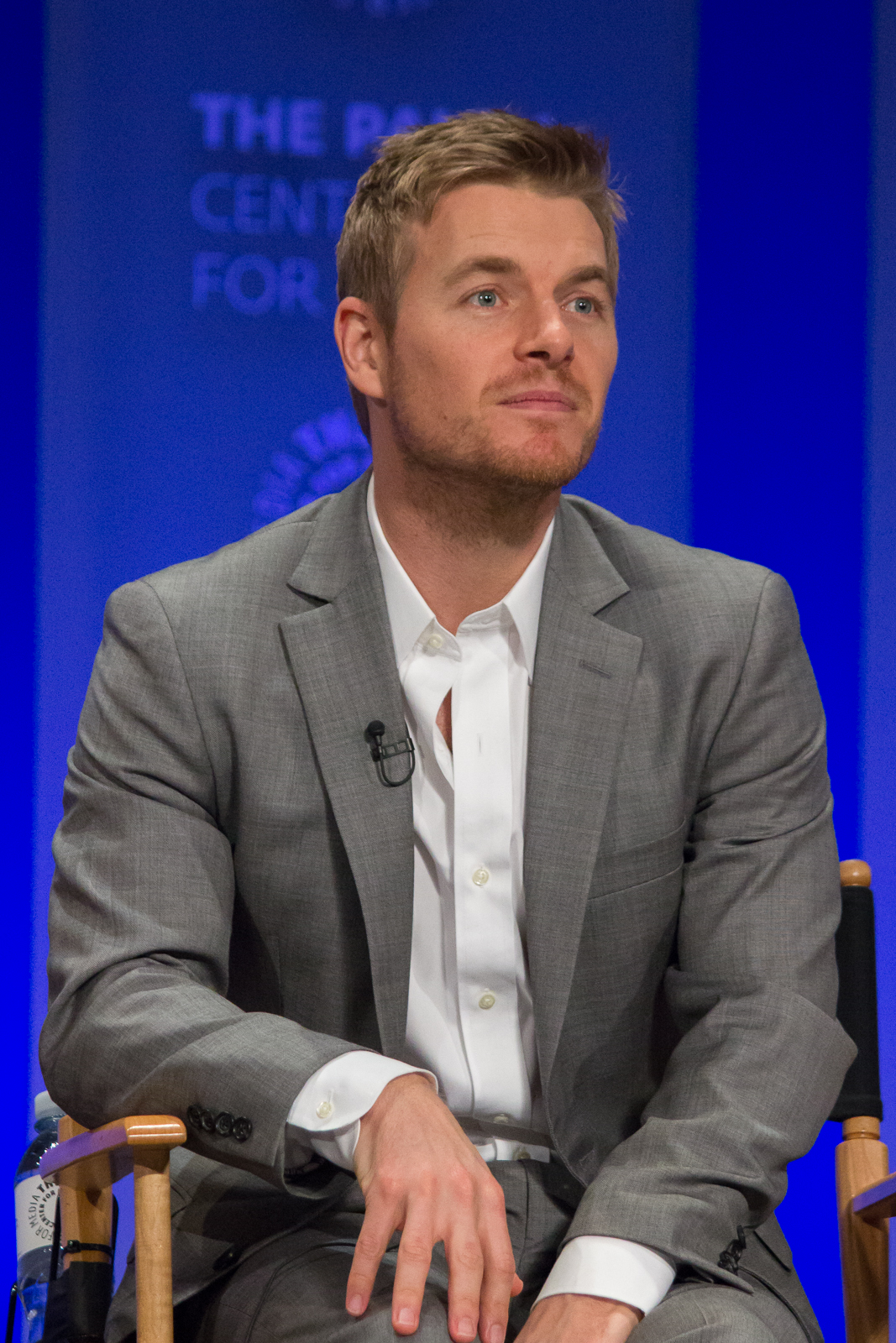The 35-year old son of father (?) and mother(?) Rick Cosnett in 2018 photo. Rick Cosnett earned a  million dollar salary - leaving the net worth at 1 million in 2018