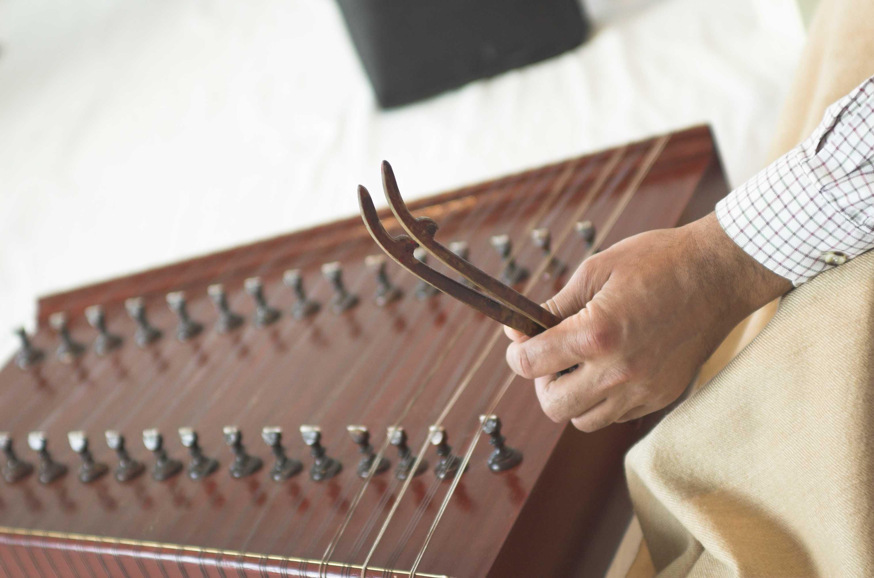 Indian santoor music