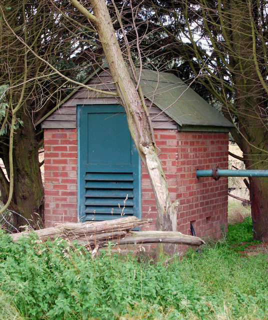 File Small Pump House Beside The River Leam North Of Eathorpe Geograph Org