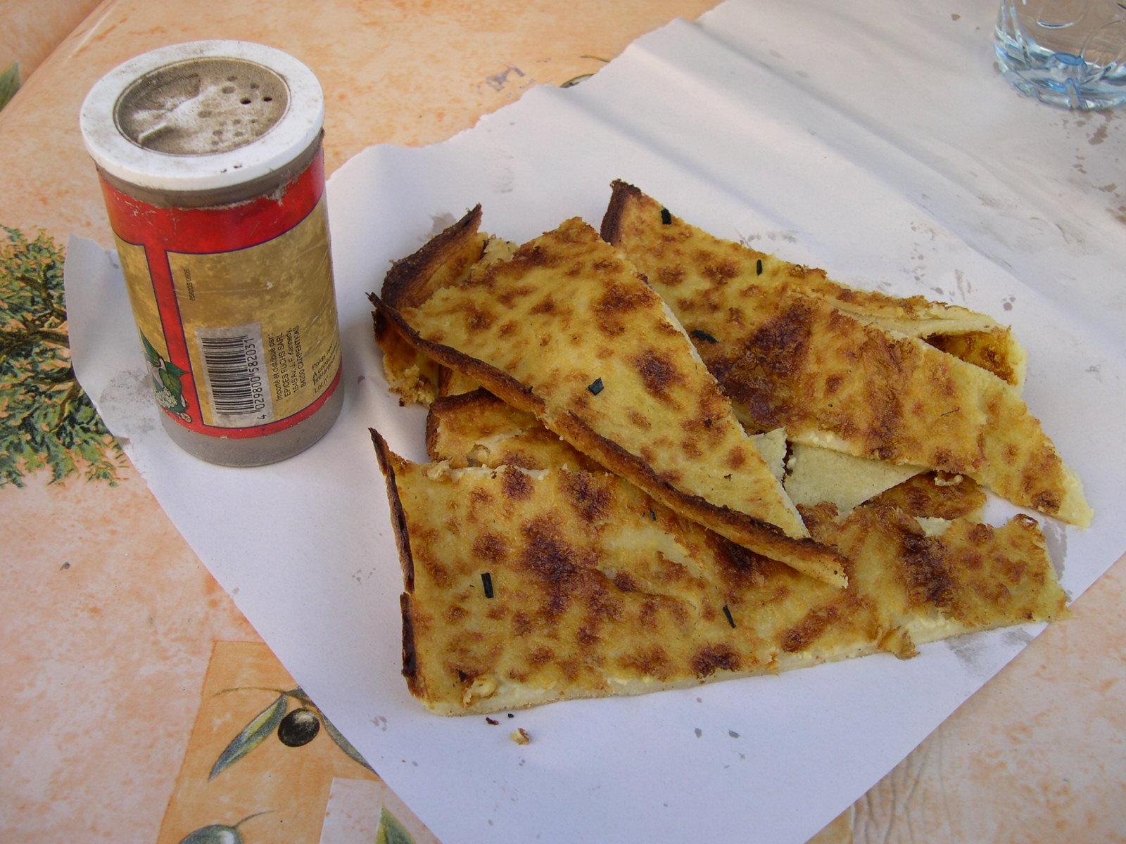 File:Socca slices Nice.jpg - Wikimedia Commons