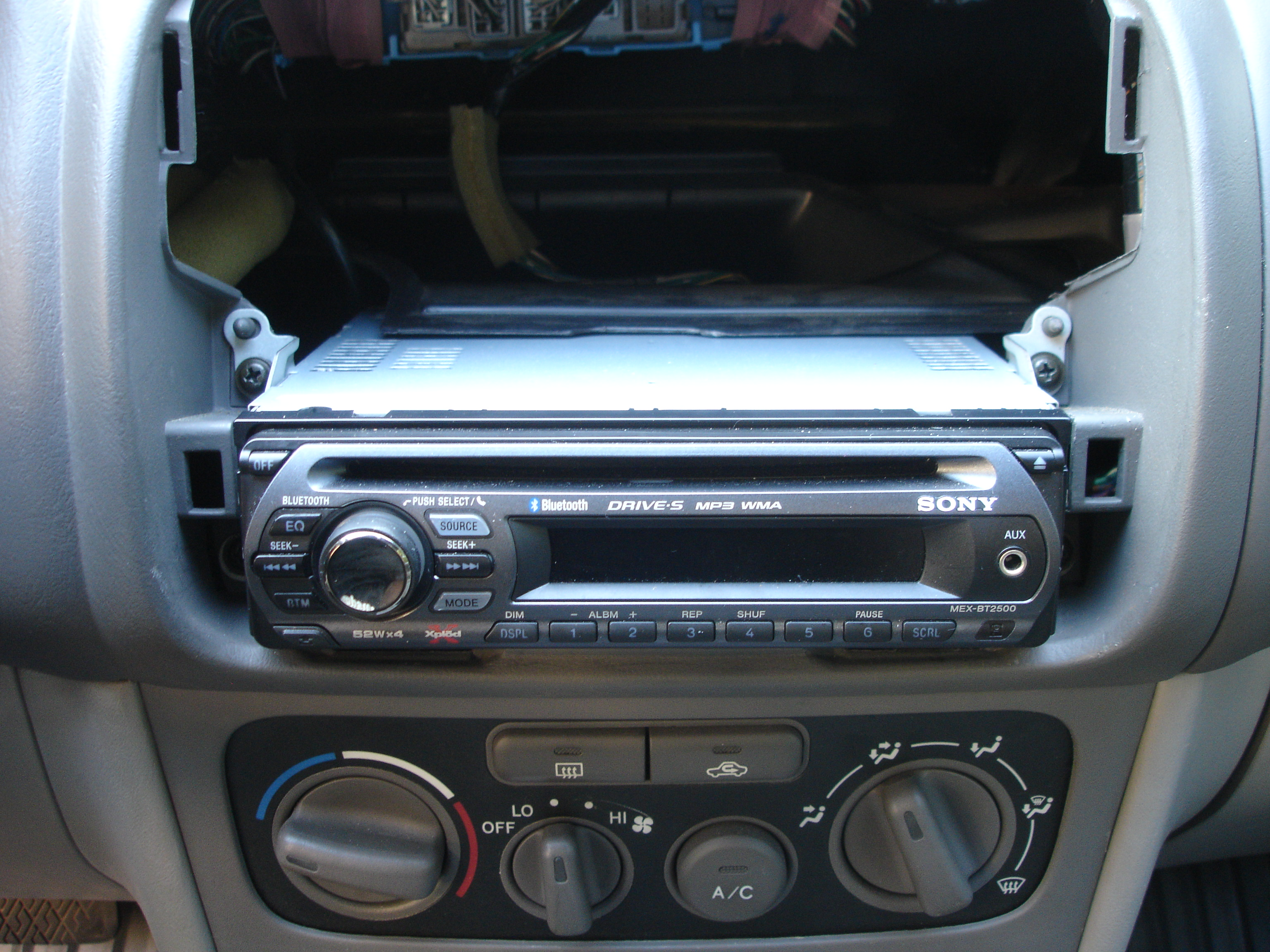 sony factory car stereo