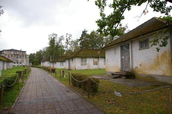 File:Sportlerheime-Elstal-2007.jpg