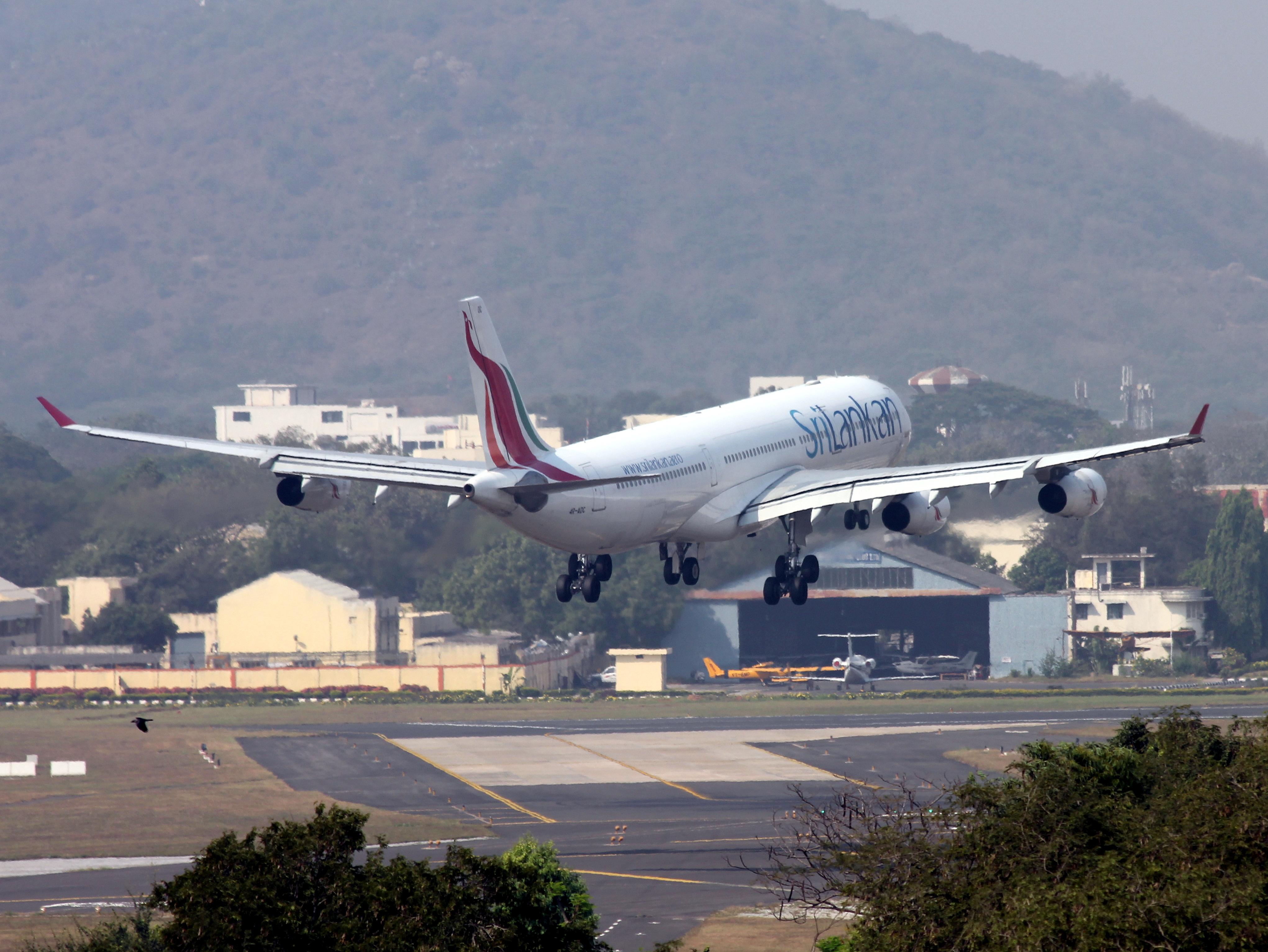 Description Srilankan Airlines 340 300