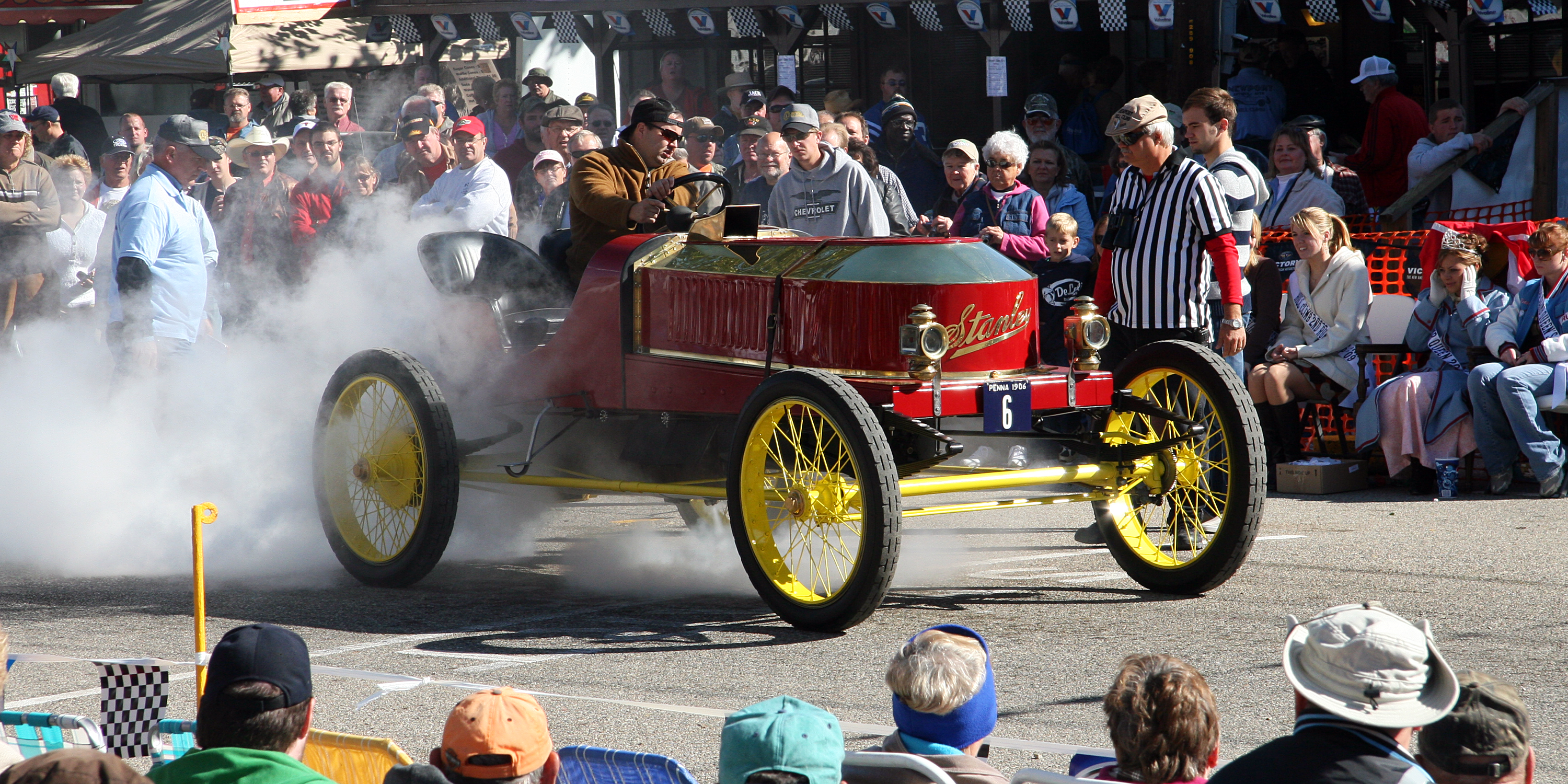Stanley Steamer Car >> File:Stanley Steamer at 2009 Newport Hill Climb 1.png - Wikimedia Commons