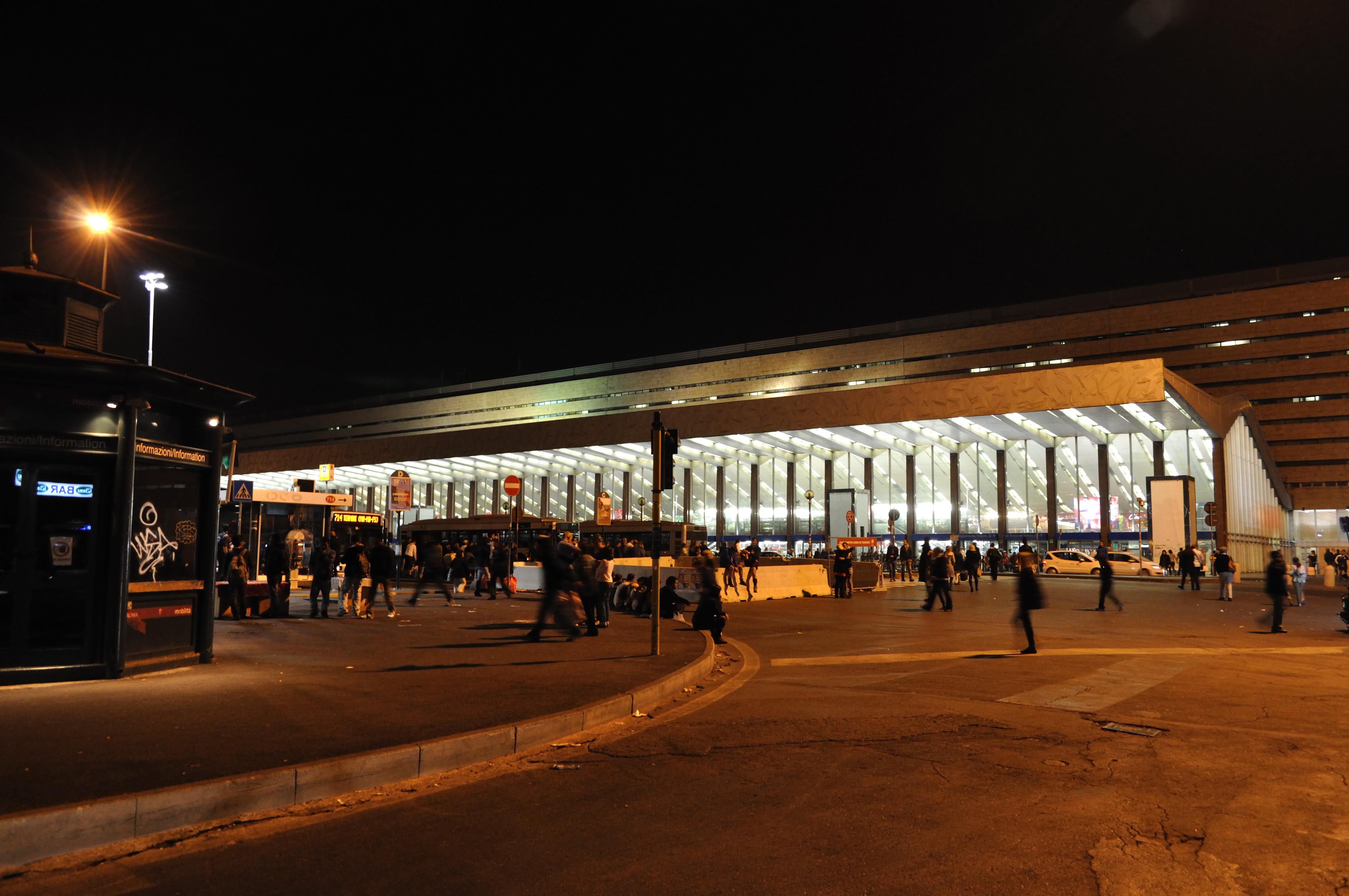 File stazione termini roma for Affitto ufficio roma stazione termini