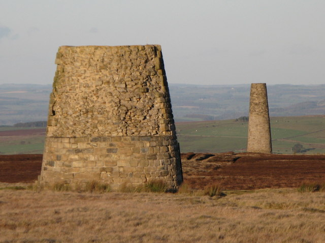 File:The Allendale lead smelting flue chimneys (2) - geograph.org.uk - 598415.jpg