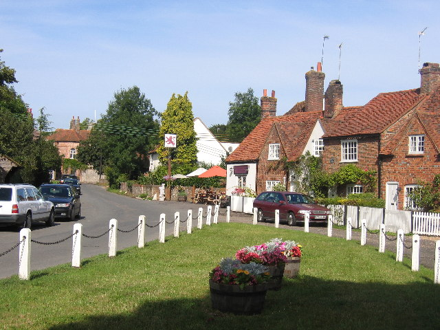 The Green and Red Lion, Little Missenden - geograph.org.uk - 46804