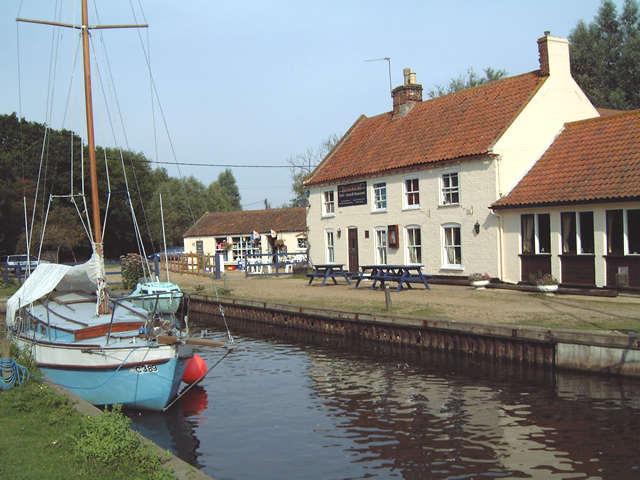 The Pleasure Boat Inn, Hickling Broad - geograph.org.uk - 961281