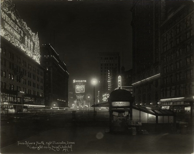 File:Times Square illumination 1921.jpeg