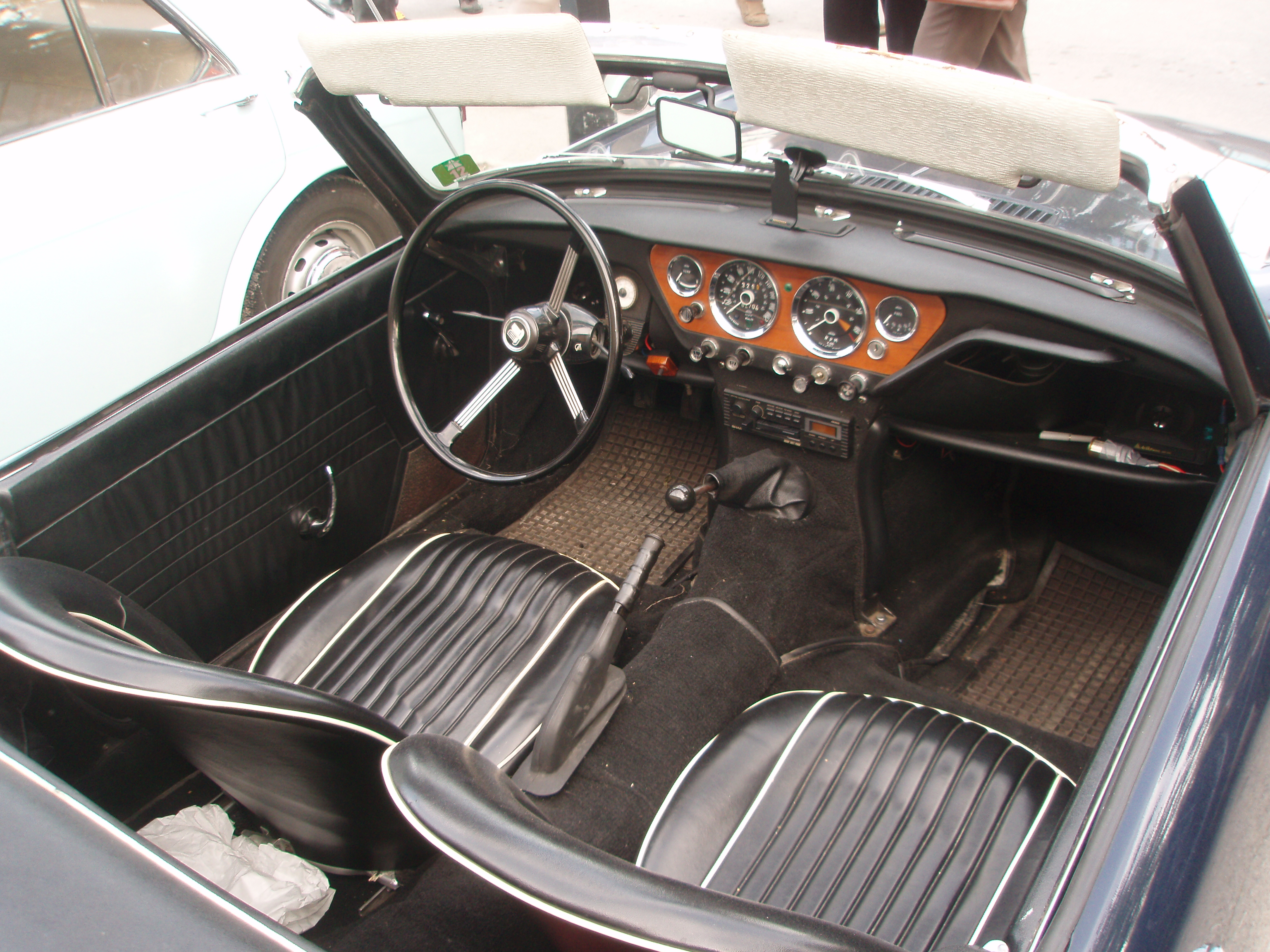 file triumph spitfire mk3 interior in morges 2012 3 jpg wikimedia commons. Black Bedroom Furniture Sets. Home Design Ideas