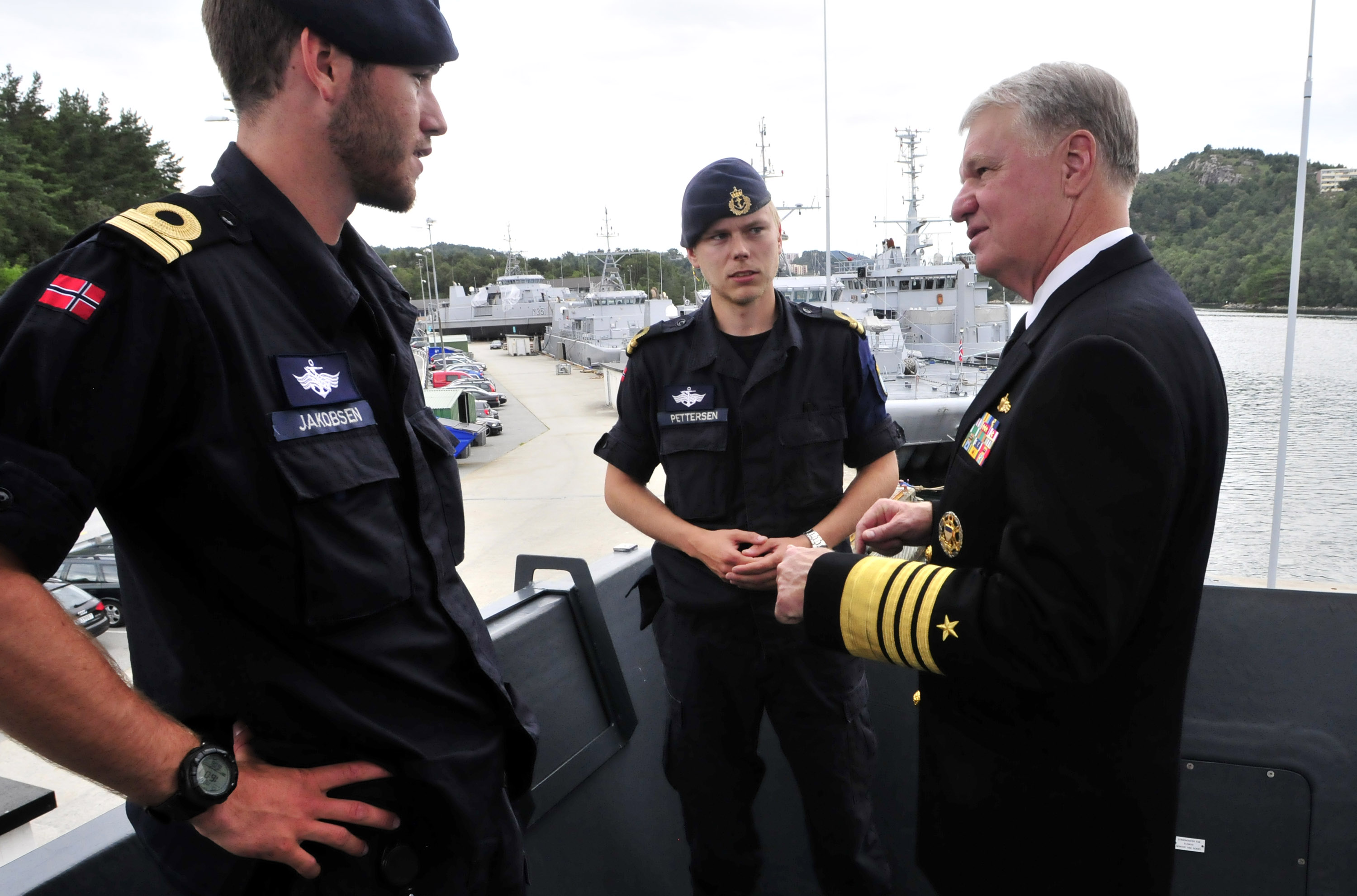File Us Navy 100816 N 8273j 259 Adm Gary Roughead Speaks