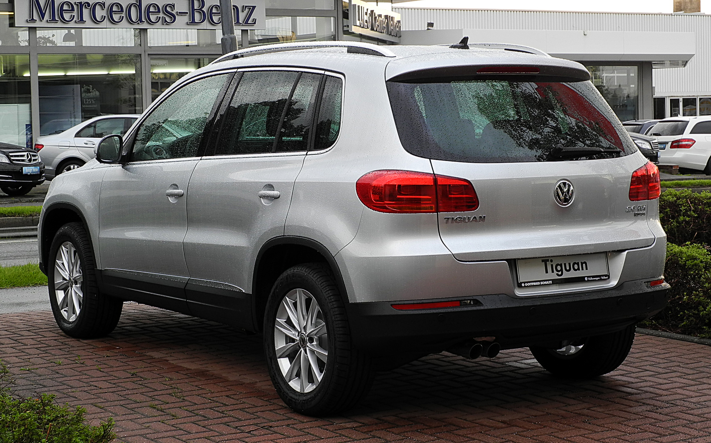 file vw tiguan track style 2 0 tdi 4motion bluemotion technology facelift heckansicht 24. Black Bedroom Furniture Sets. Home Design Ideas