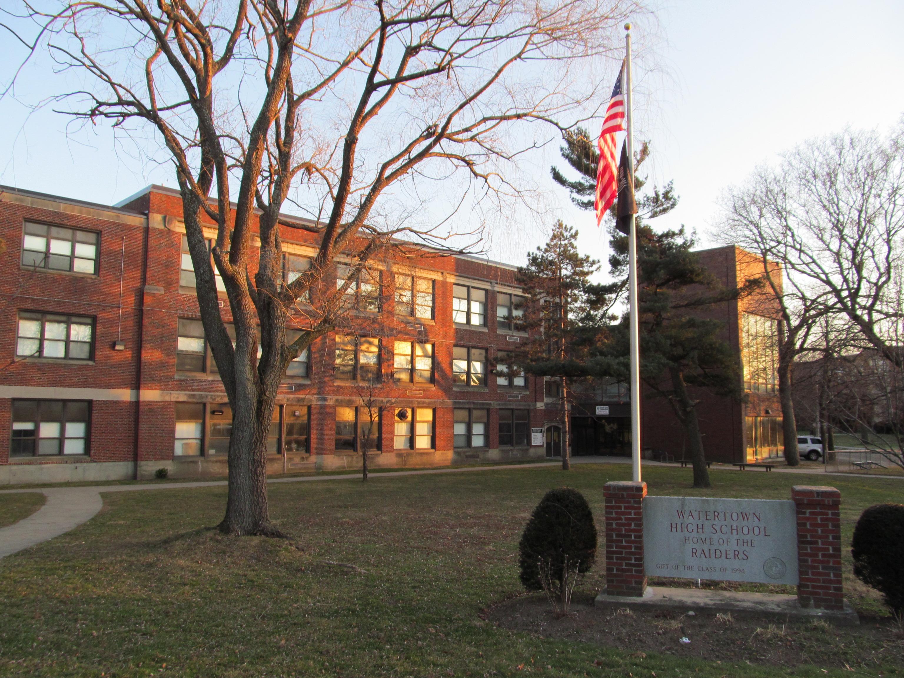 File:Watertown High School, Watertown MA.jpg
