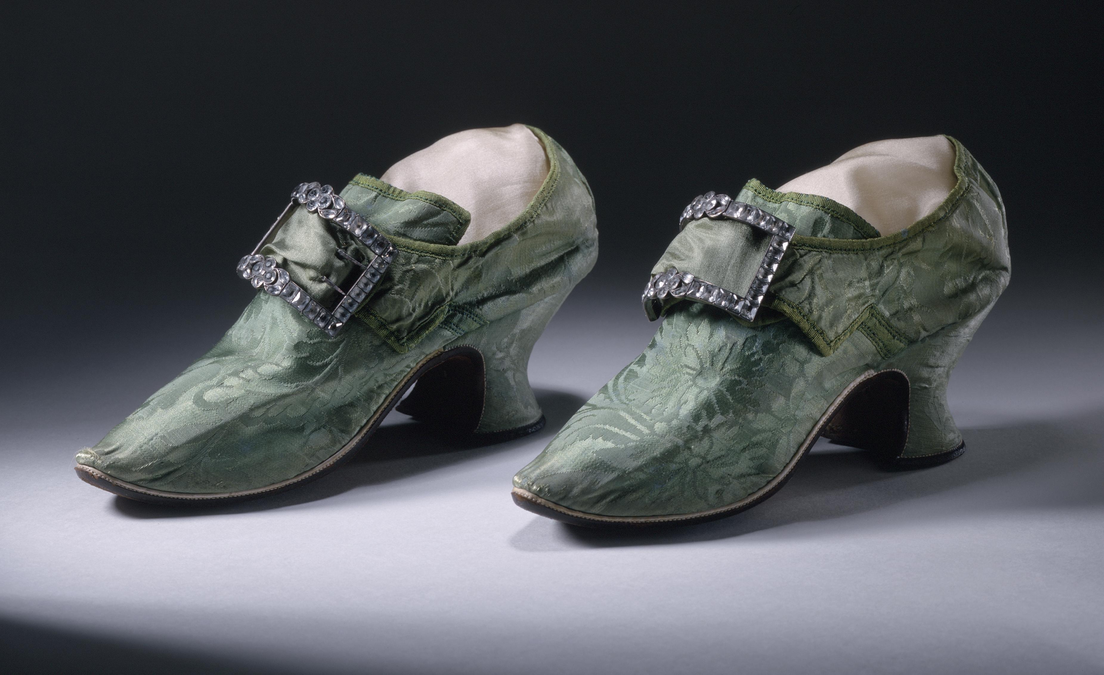 American Mens Cut Back Heels Shoes