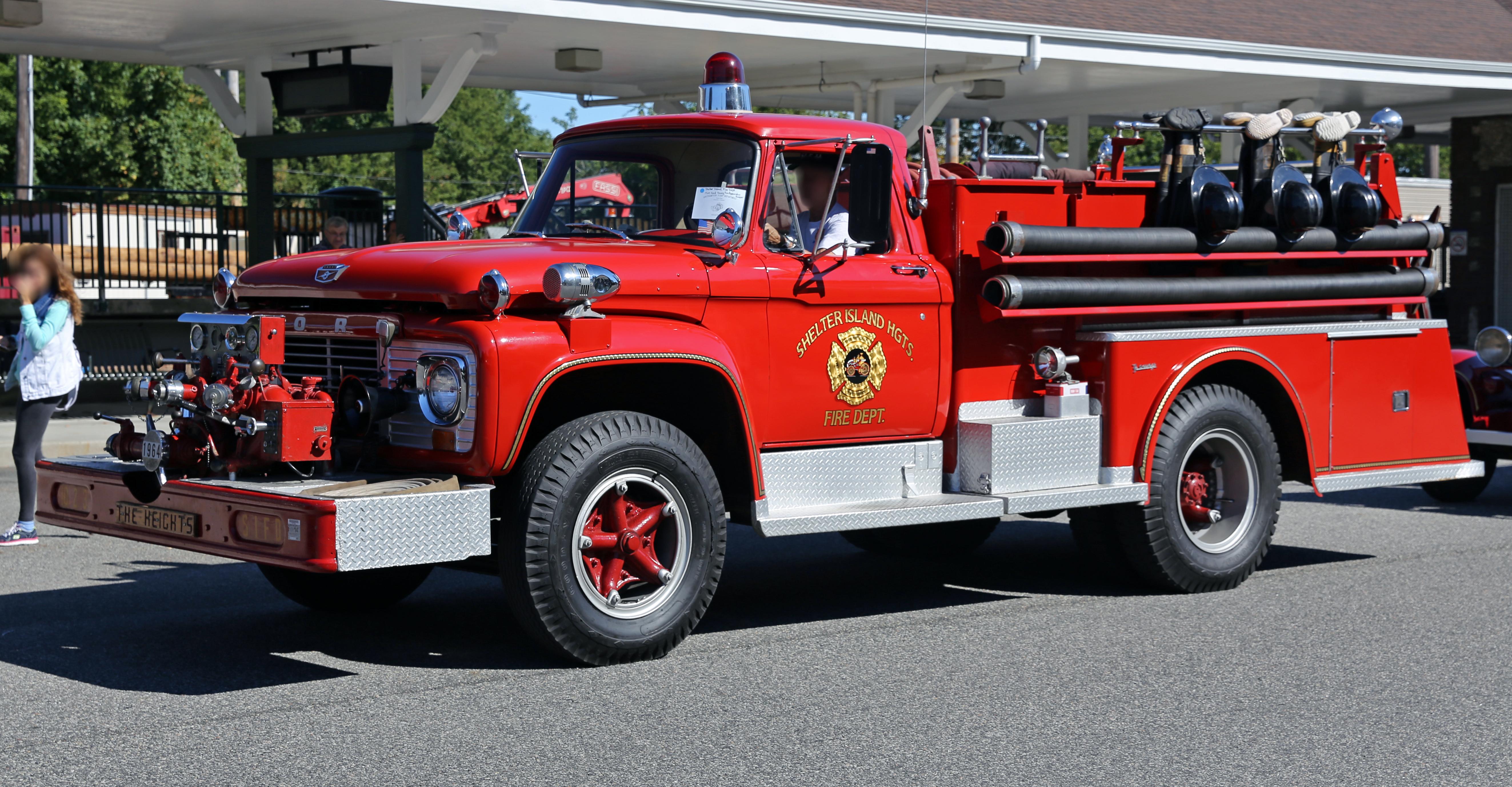 Description 1964 Ford F-series fire truck SIPD Heights.jpg