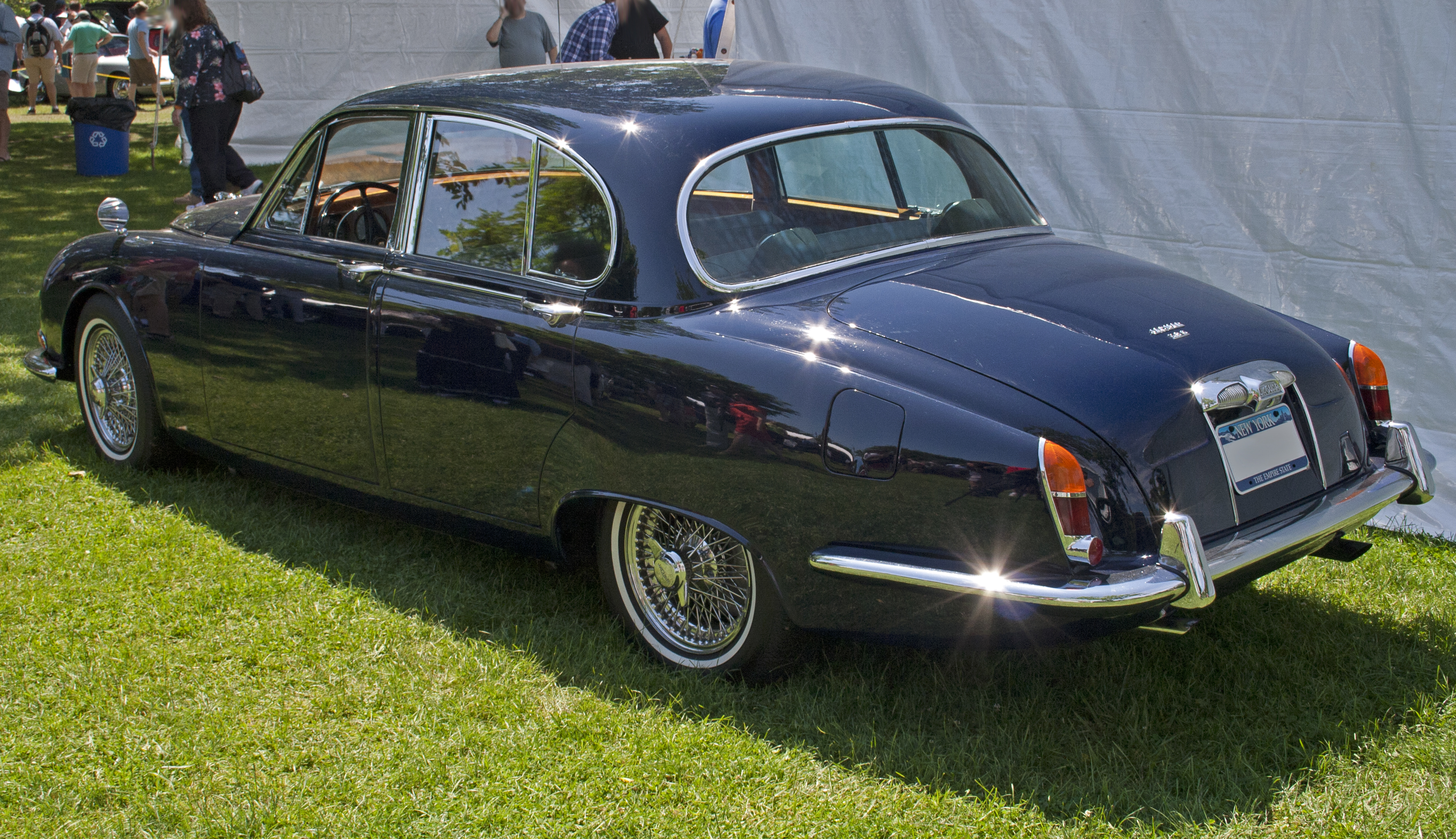 file:1965 jaguar 3.8s - wikimedia commons