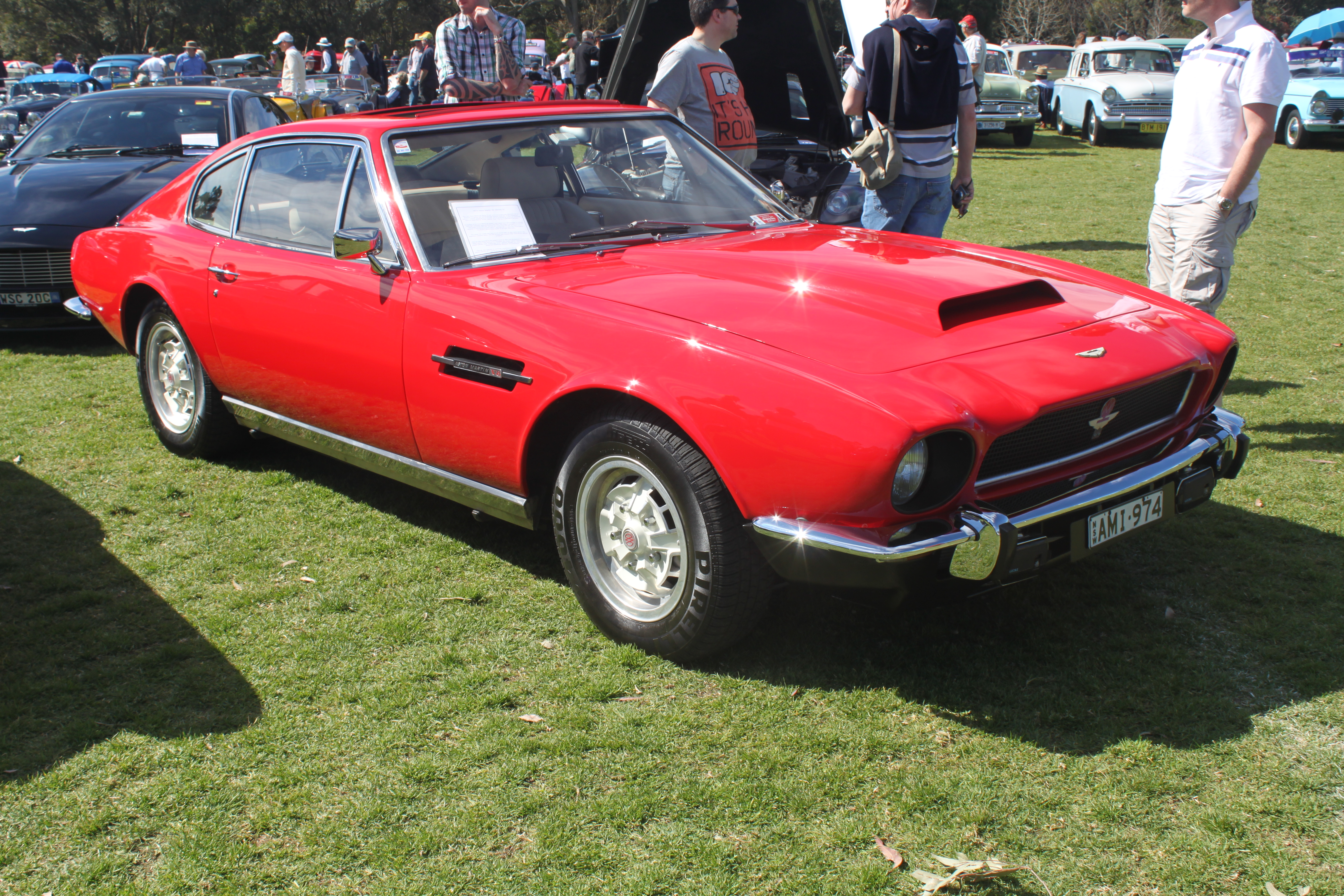 File 1974 Aston Martin V8 Saloon Front Right Red Jpg Wikimedia Commons