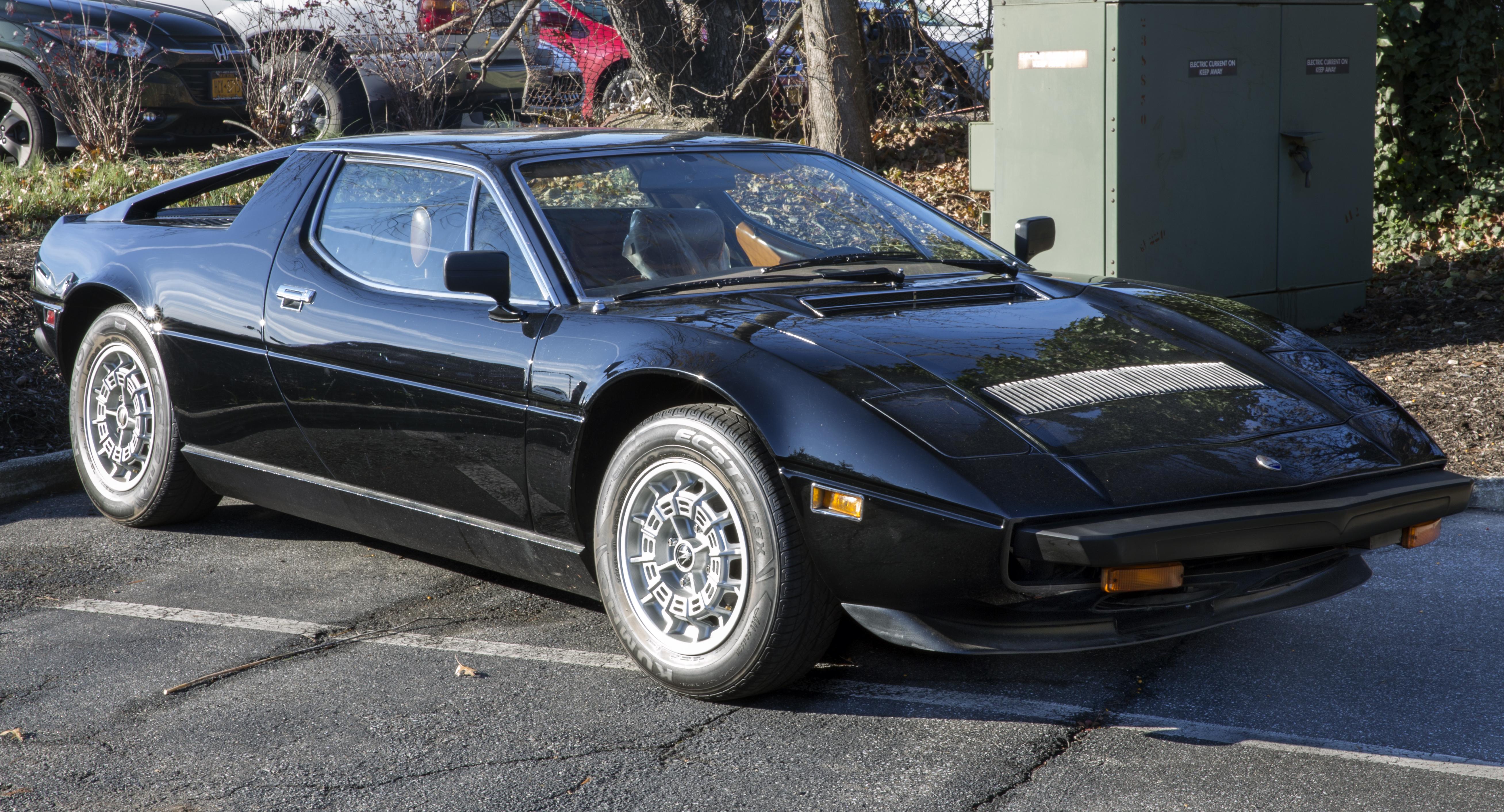 1980_Maserati_Merak_SS_%28US_model%29_in_Black%2C_front_right.jpg