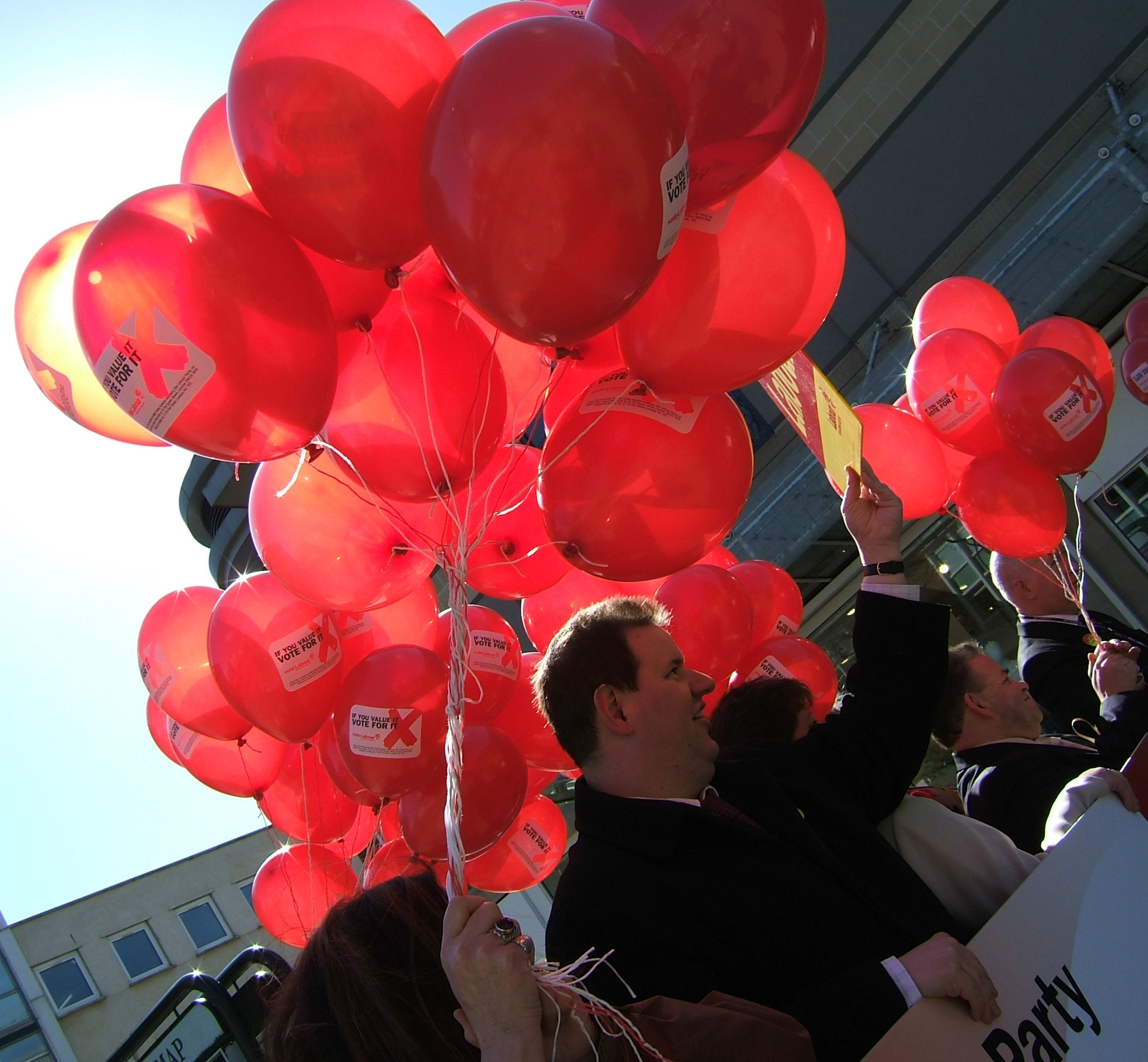 File99 Red Balloons 123809604
